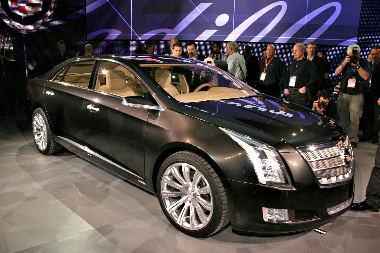 detroit auto show cadillac xts concept revives gms plug  hybrid hopes