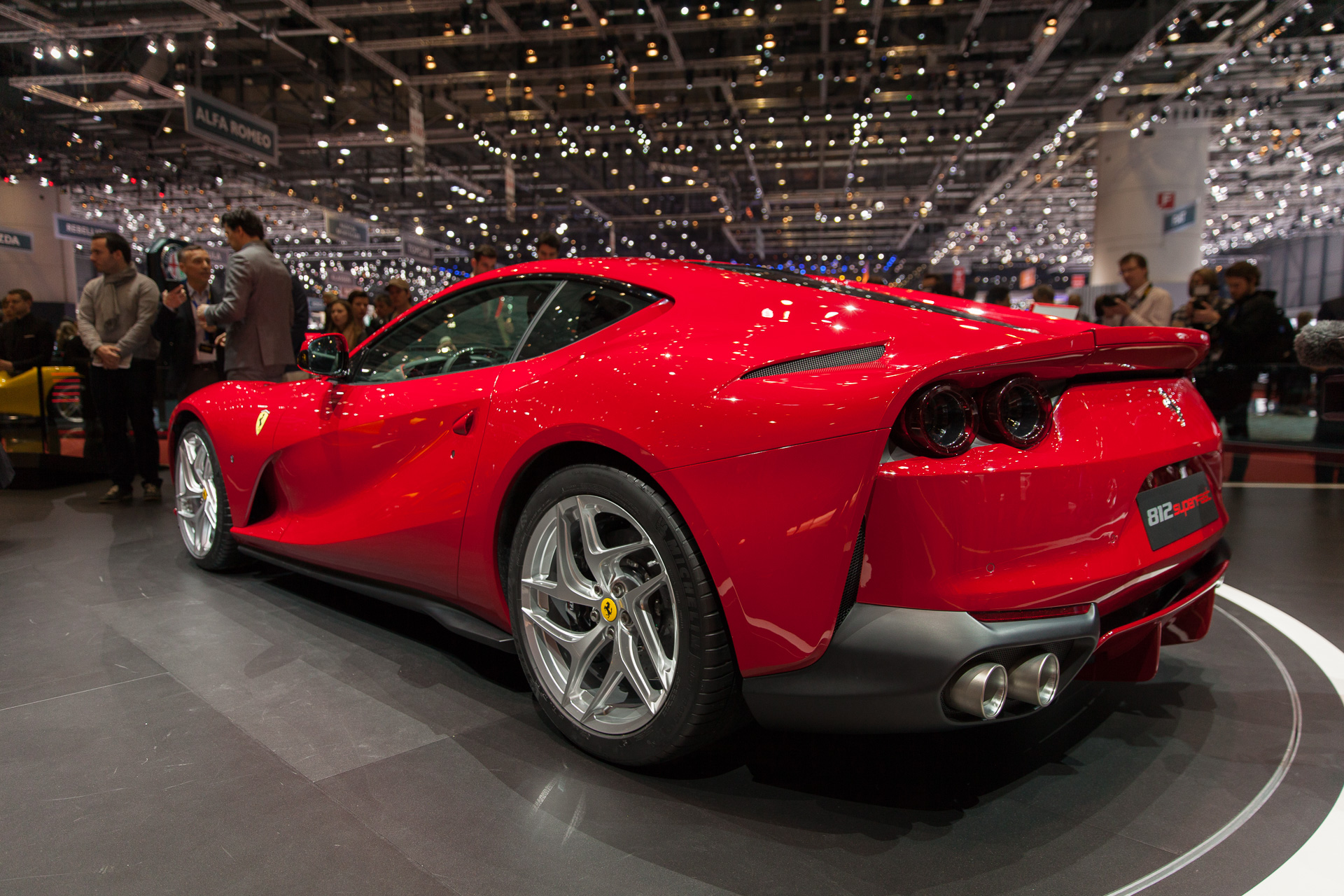 ferrari 812 superfast revealed with 789 horsepower. Black Bedroom Furniture Sets. Home Design Ideas
