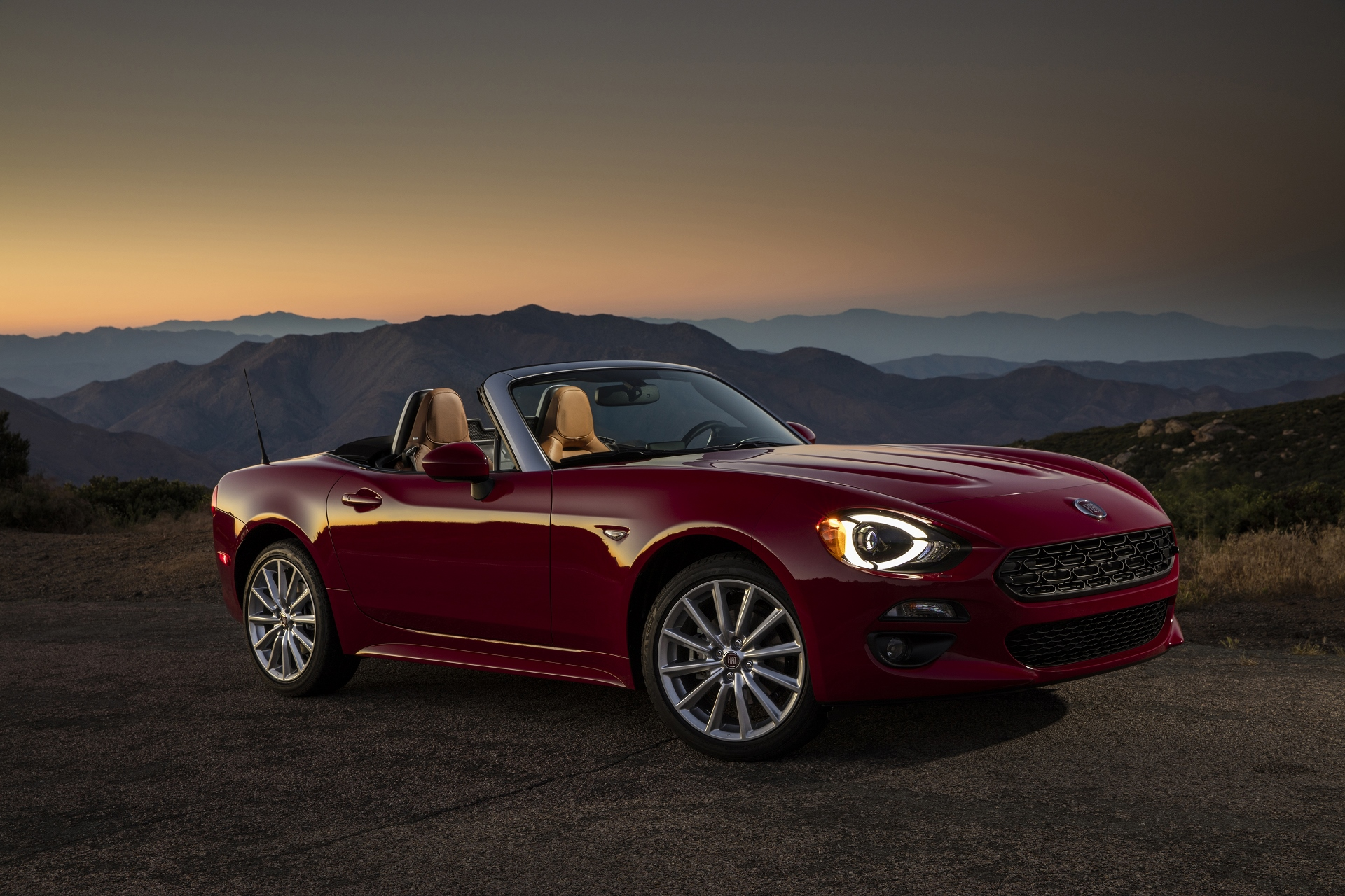 fiat 124 spider may get coupe companion. Black Bedroom Furniture Sets. Home Design Ideas
