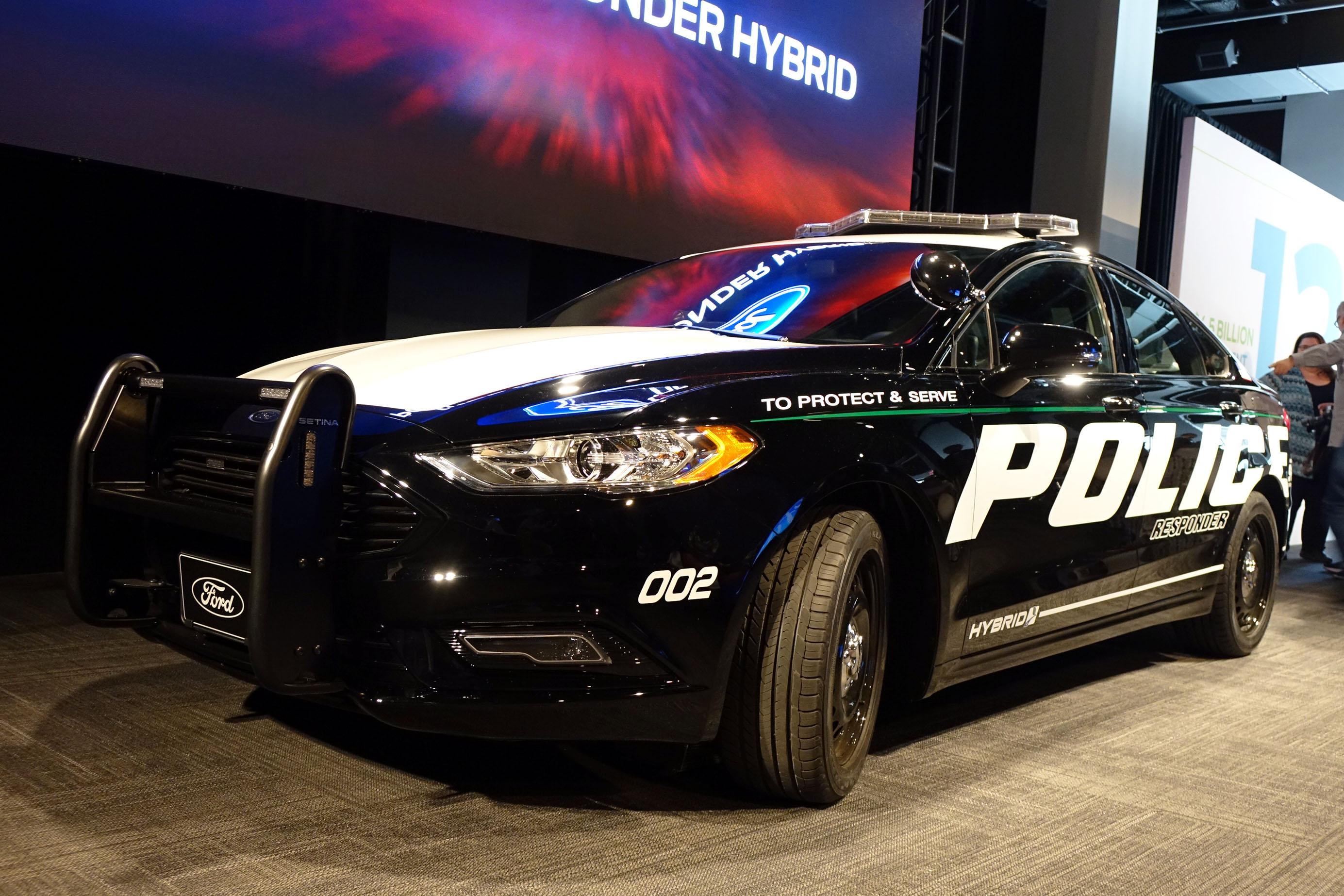 ford police responder becomes first hybrid cop car. Black Bedroom Furniture Sets. Home Design Ideas