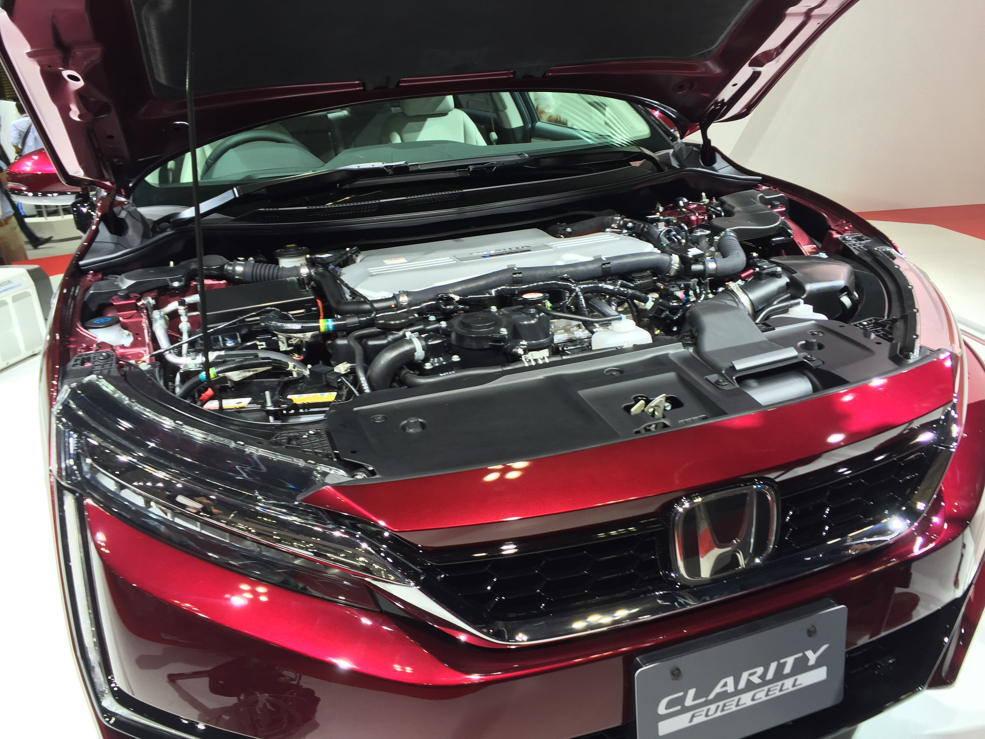 bob lutz  tesla  honda clarity fuel cell detroit electric todays car news