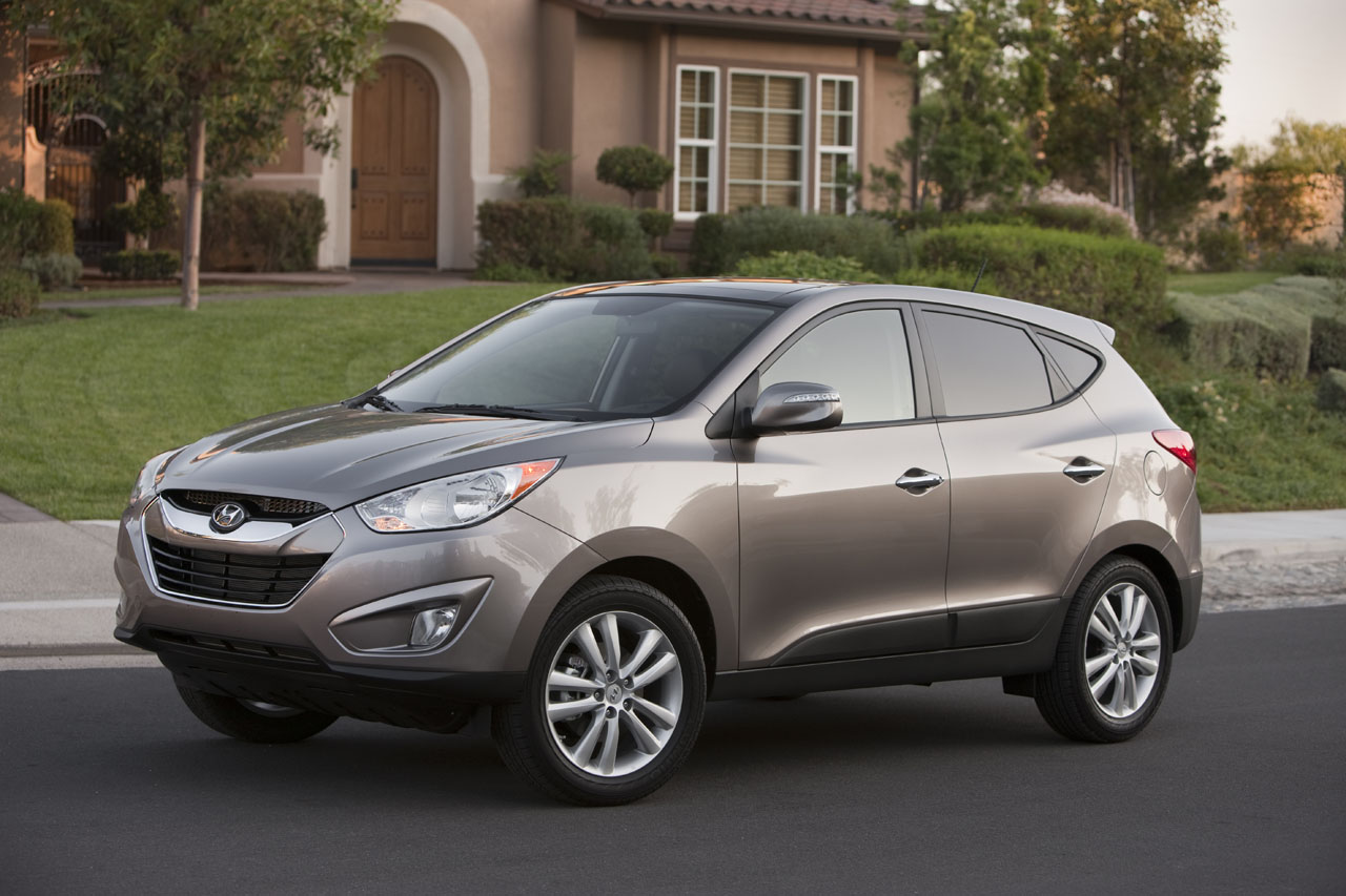 2011 hyundai tucson review ratings specs prices and photos the car connection. Black Bedroom Furniture Sets. Home Design Ideas