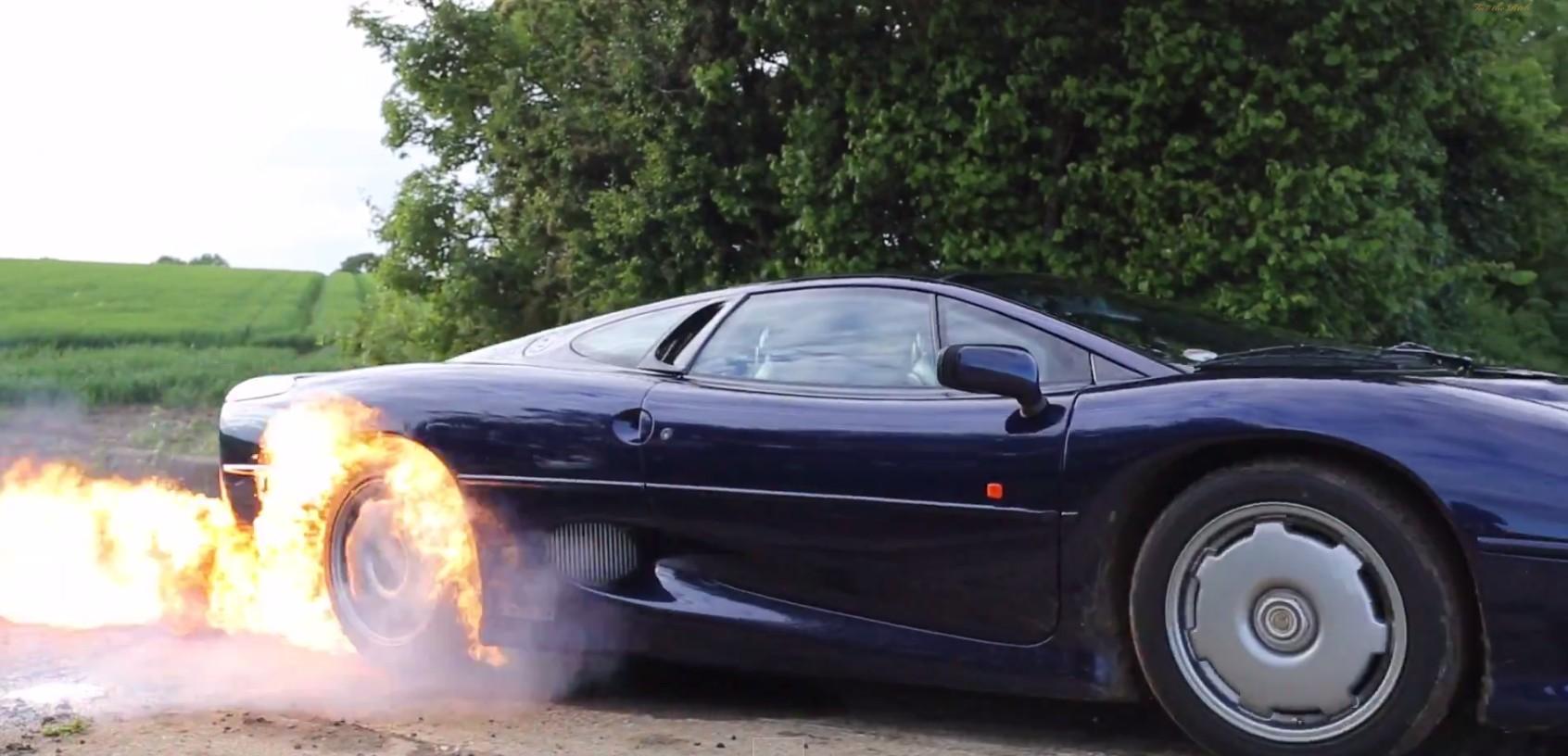 Jaguar XJ220 Lights Tires On Fire In Ultimate Burnout