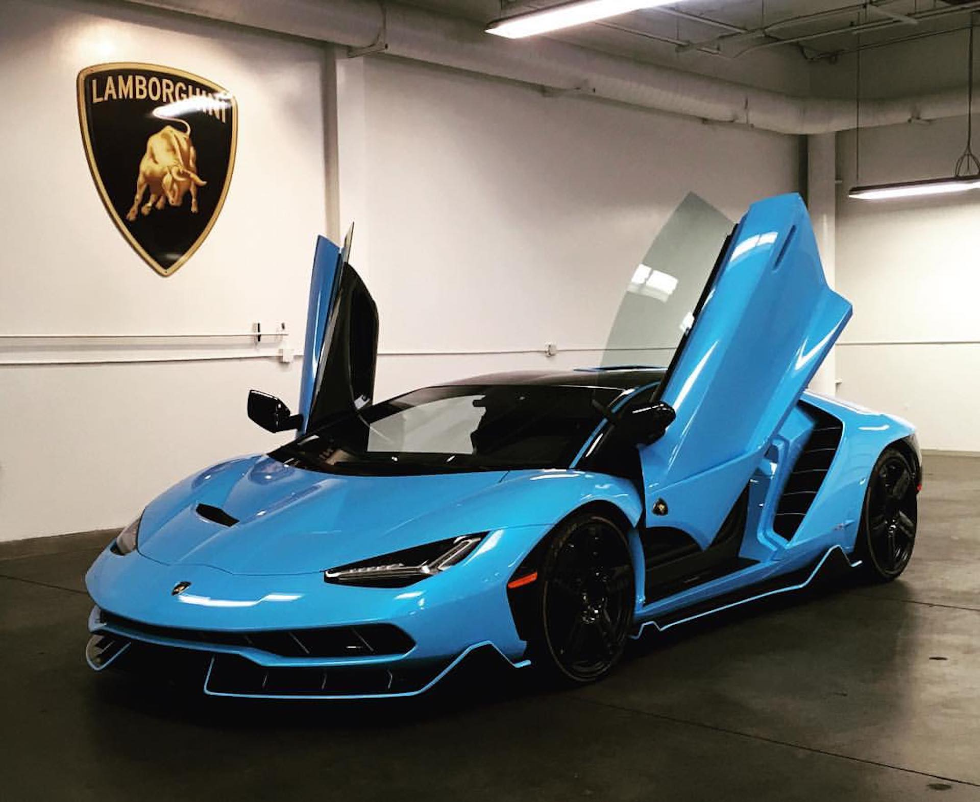 The fourth Lamborghini Centenario has landed in the US and ...