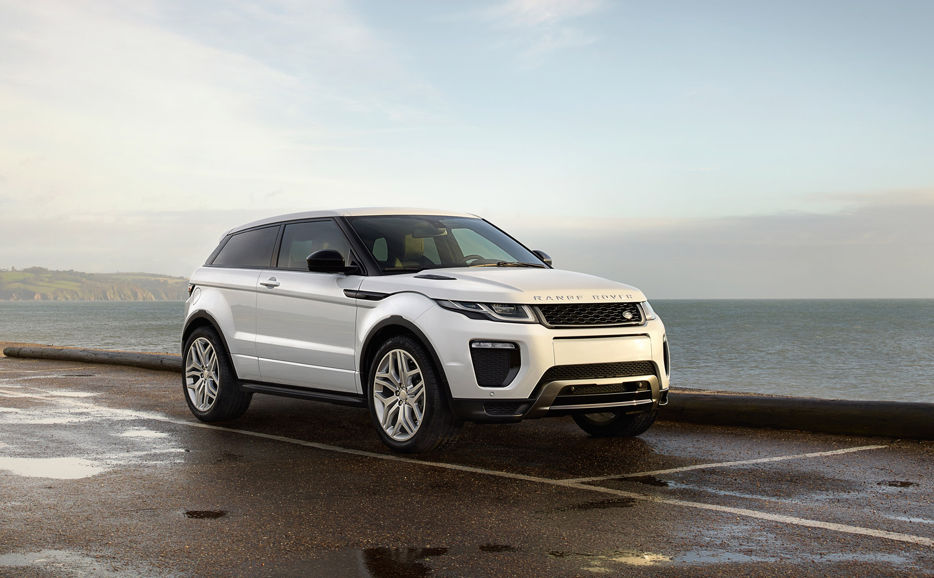 2016 land rover range rover evoque review ratings specs prices and photos the car connection. Black Bedroom Furniture Sets. Home Design Ideas