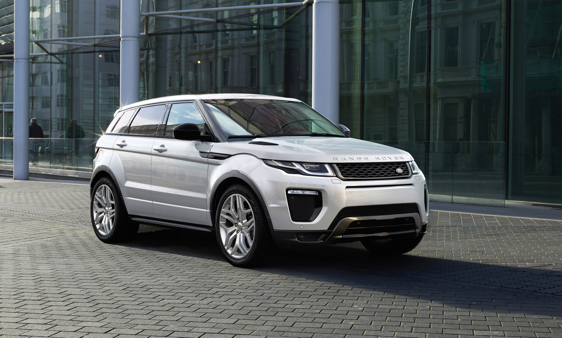 new and used land rover range rover evoque prices photos reviews specs the car connection. Black Bedroom Furniture Sets. Home Design Ideas