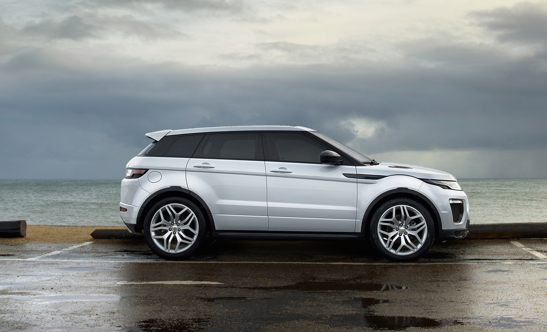 used land rover range rover evoque for sale in baltimore. Black Bedroom Furniture Sets. Home Design Ideas