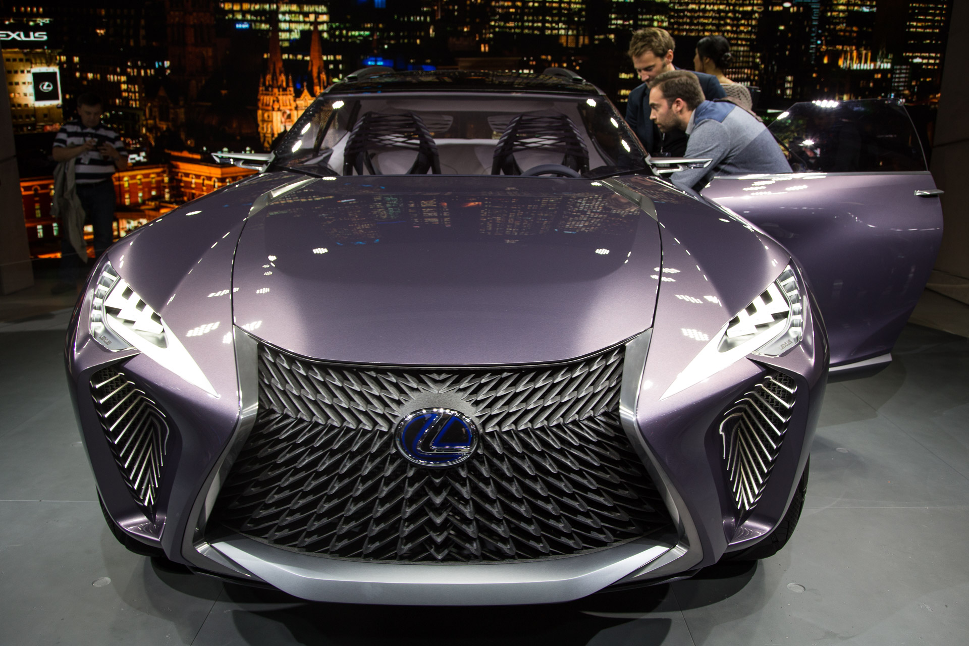 Lexus Ux Concept Is A Tiny Luxury Suv With Big Tech