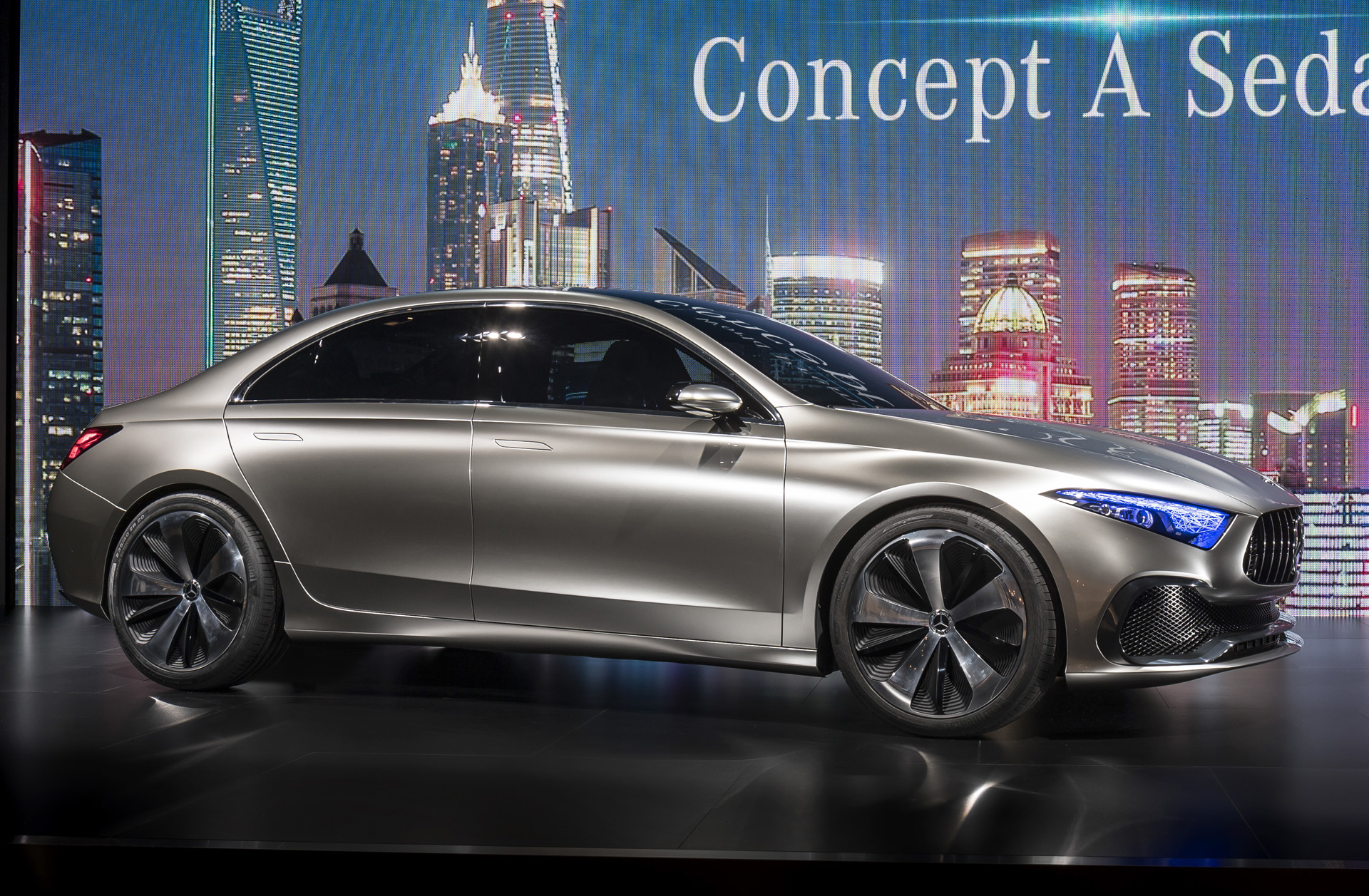 Mercedes benz a class sedan previewed by concept in shanghai for Mercedes benz a class