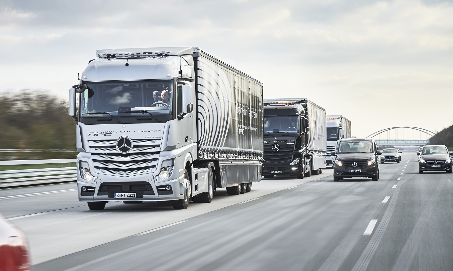 Mercedes Autonomous Trucks Take Part In Cross Border Trial