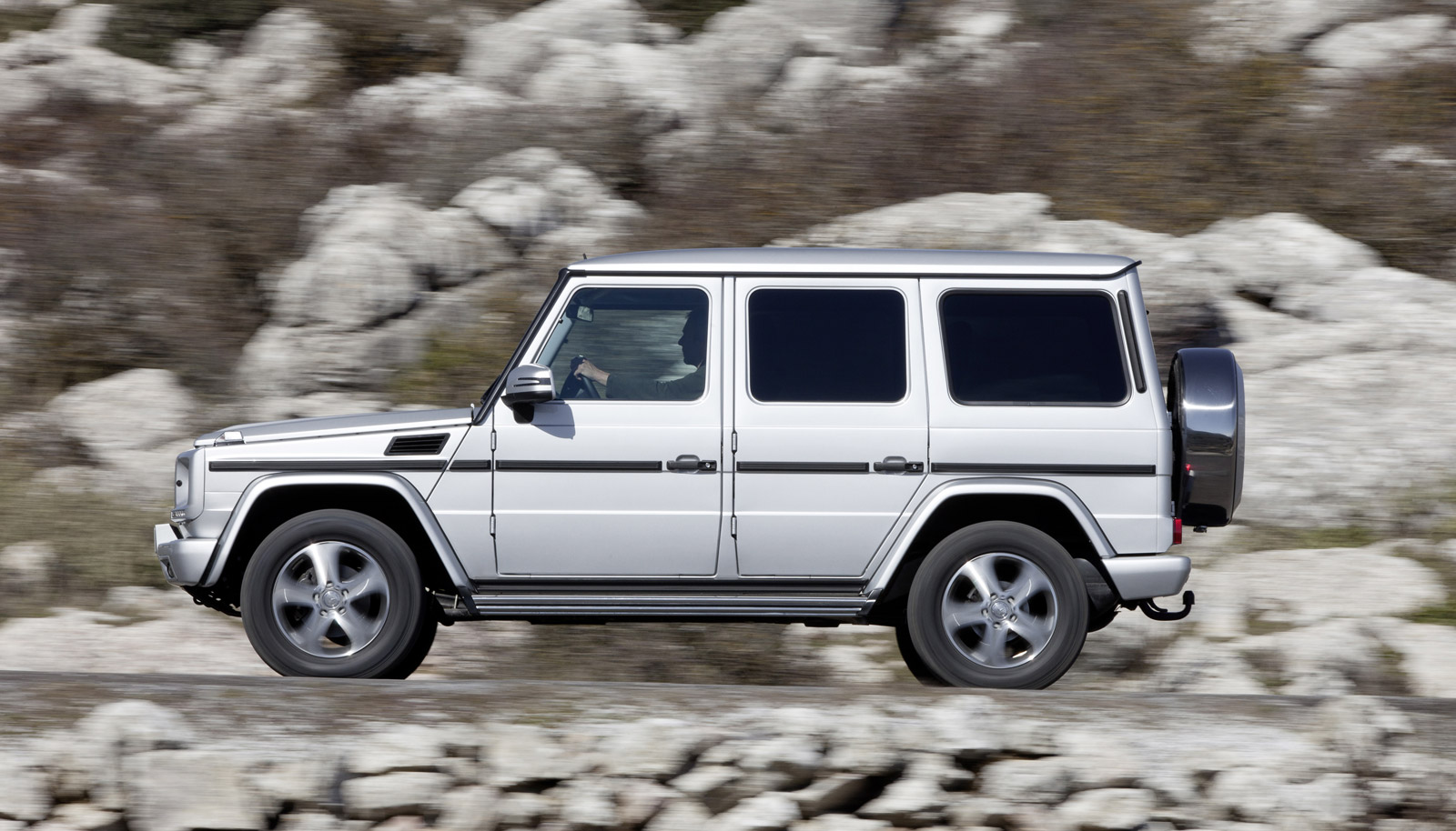Mercedes benz announces g65 amg power and price both for Mercedes benz g class suv price