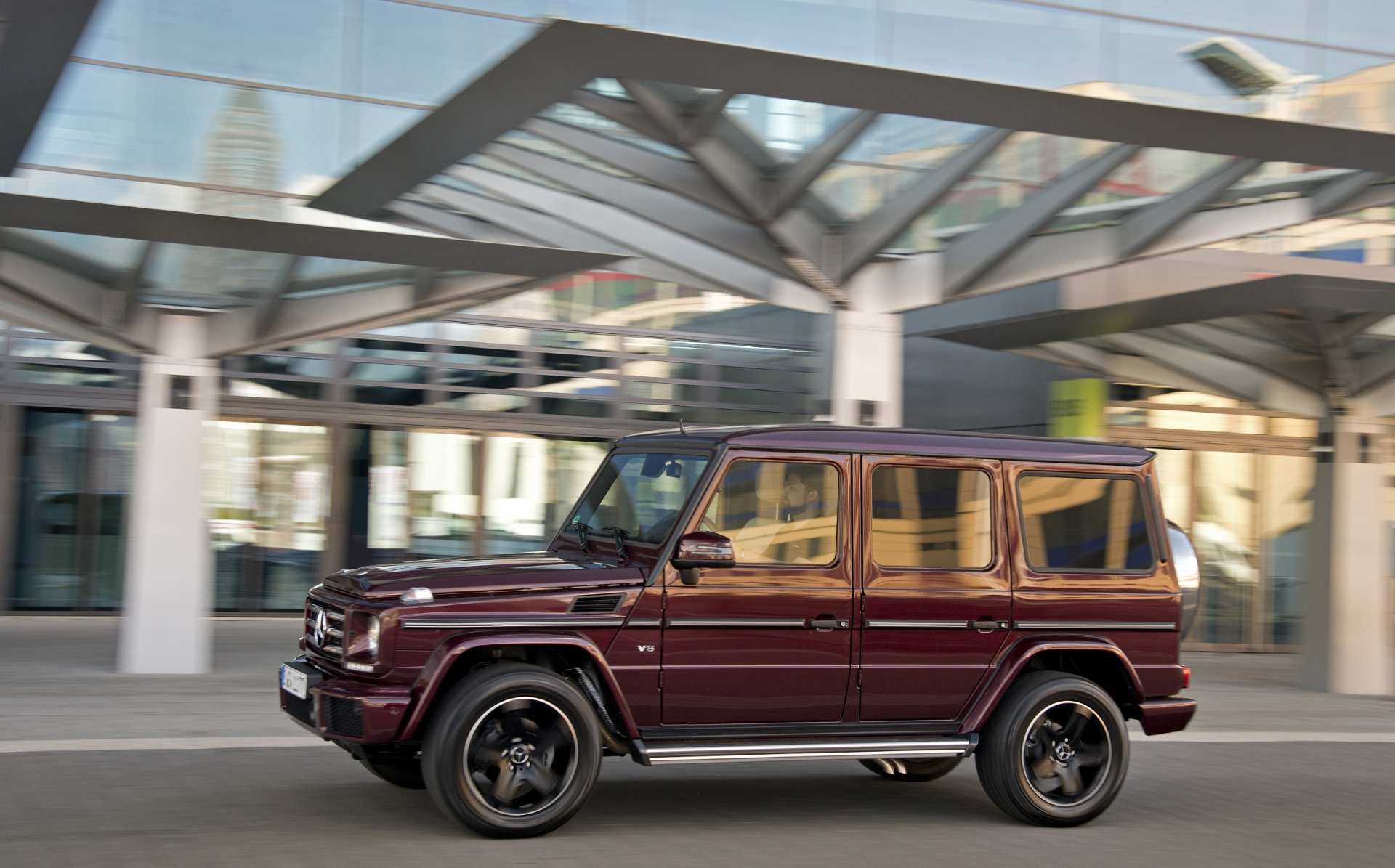 2016 mercedes benz g class review ratings specs prices. Black Bedroom Furniture Sets. Home Design Ideas