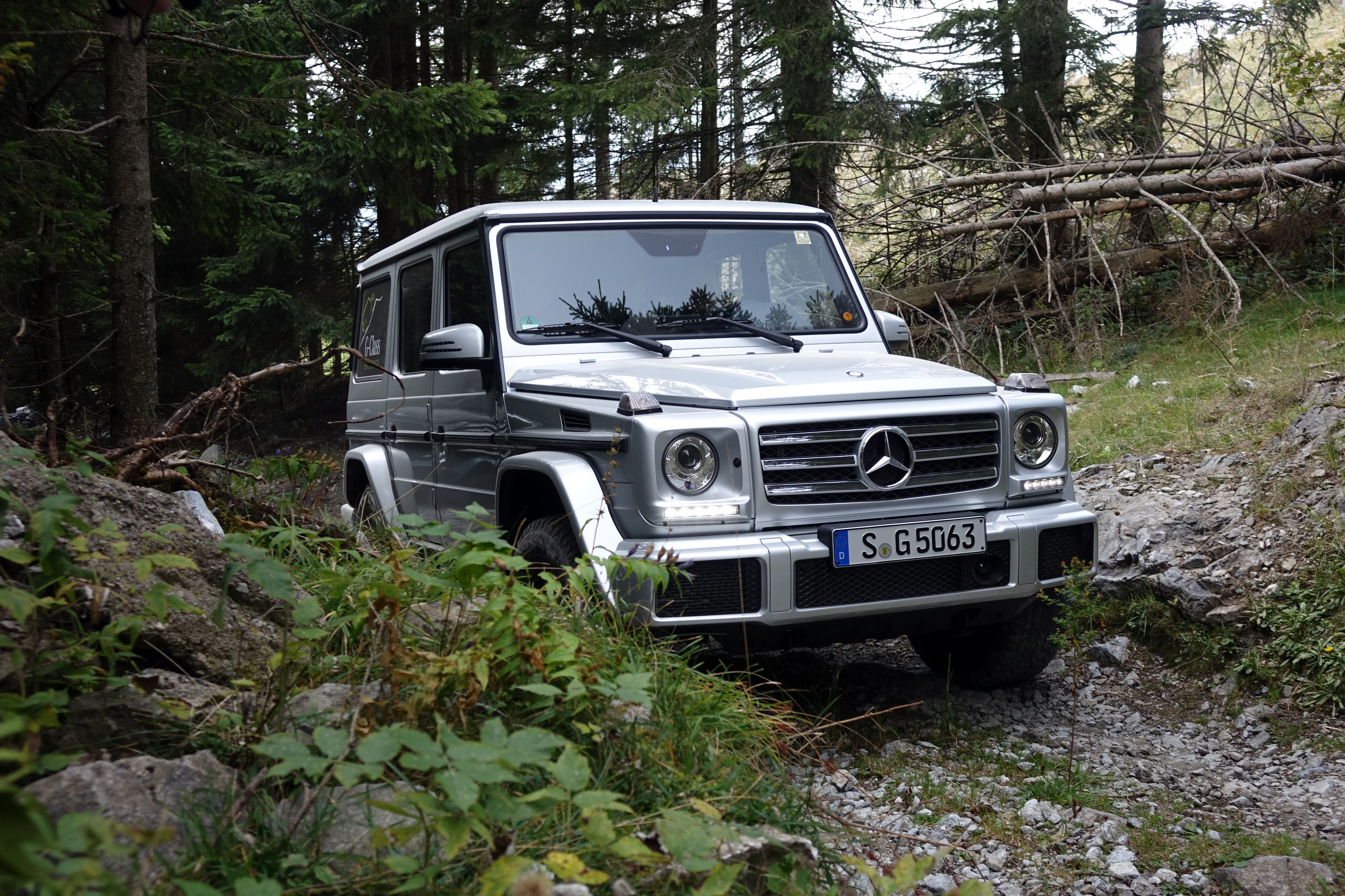 Relic or thrill ride up a mountain in a mercedes benz g class for Mercedes benz portal axles