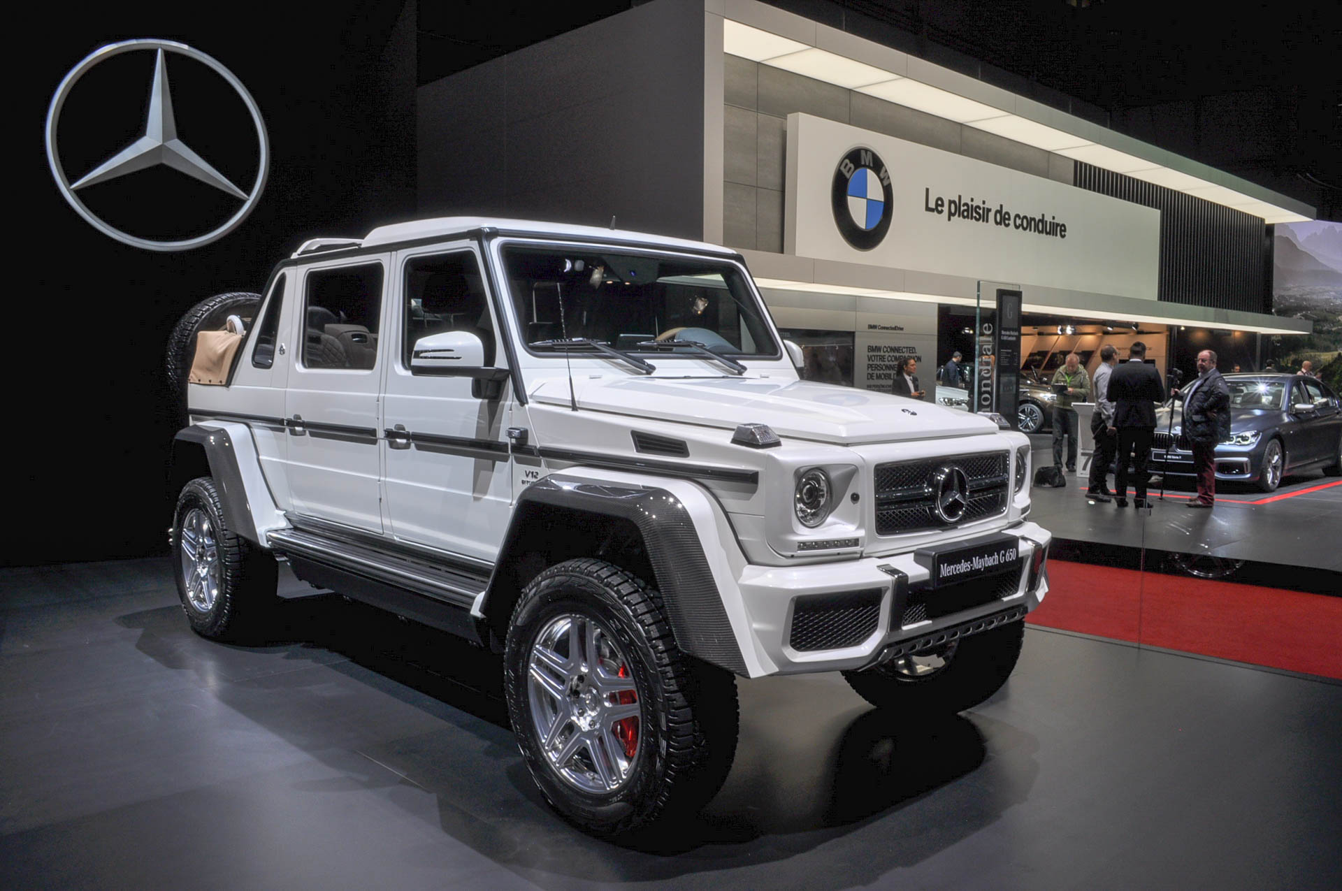 Mercedes maybach g650 landaulet revealed limited to 99 units for Jeep mercedes benz
