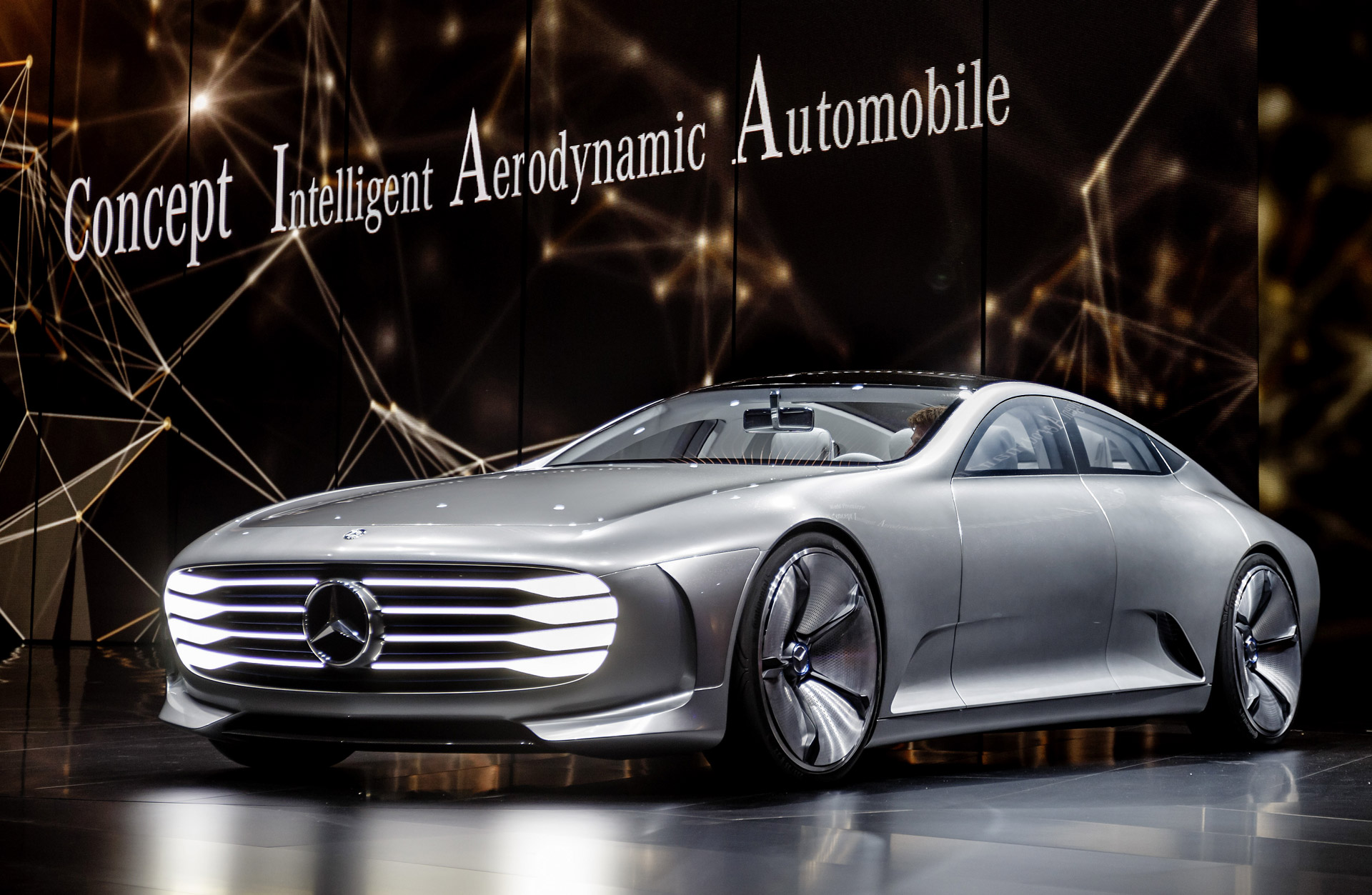 Mercedes Benz Concept Iaa Changes Shape For Better Efficiency