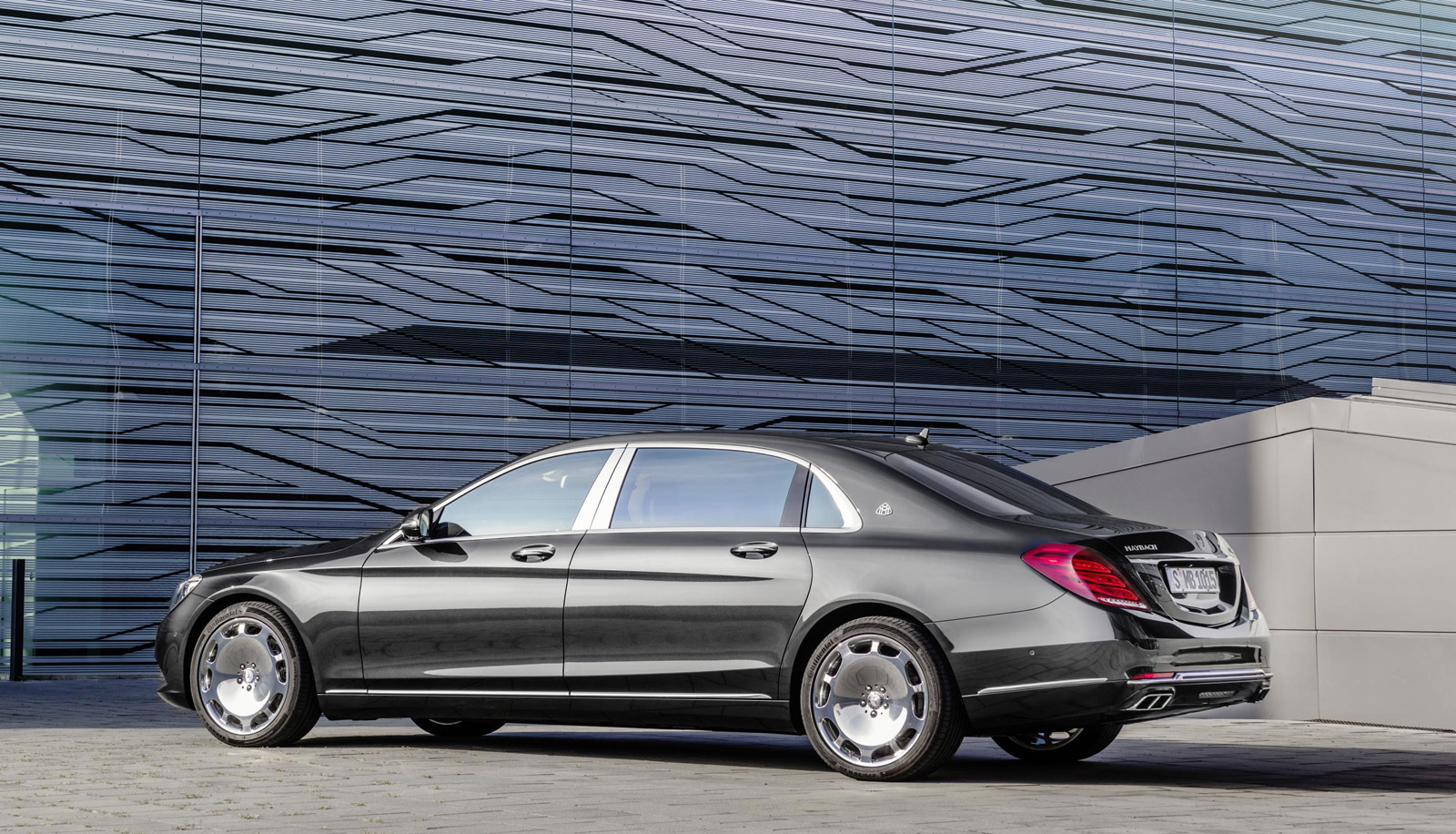 Mercedes-Maybach S600 Driven, Lotus F1 Car Revealed ...
