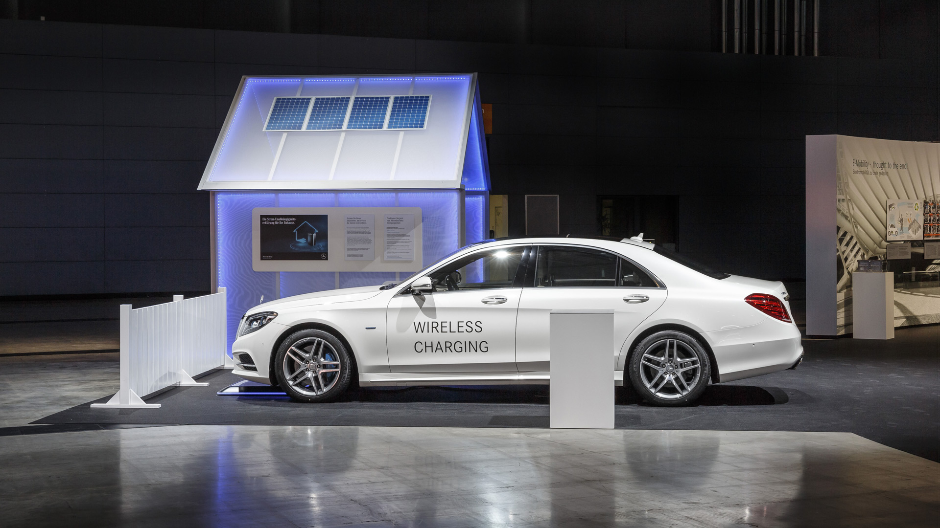 Mercedes confirms wireless charging for S550e plug-in hybrid
