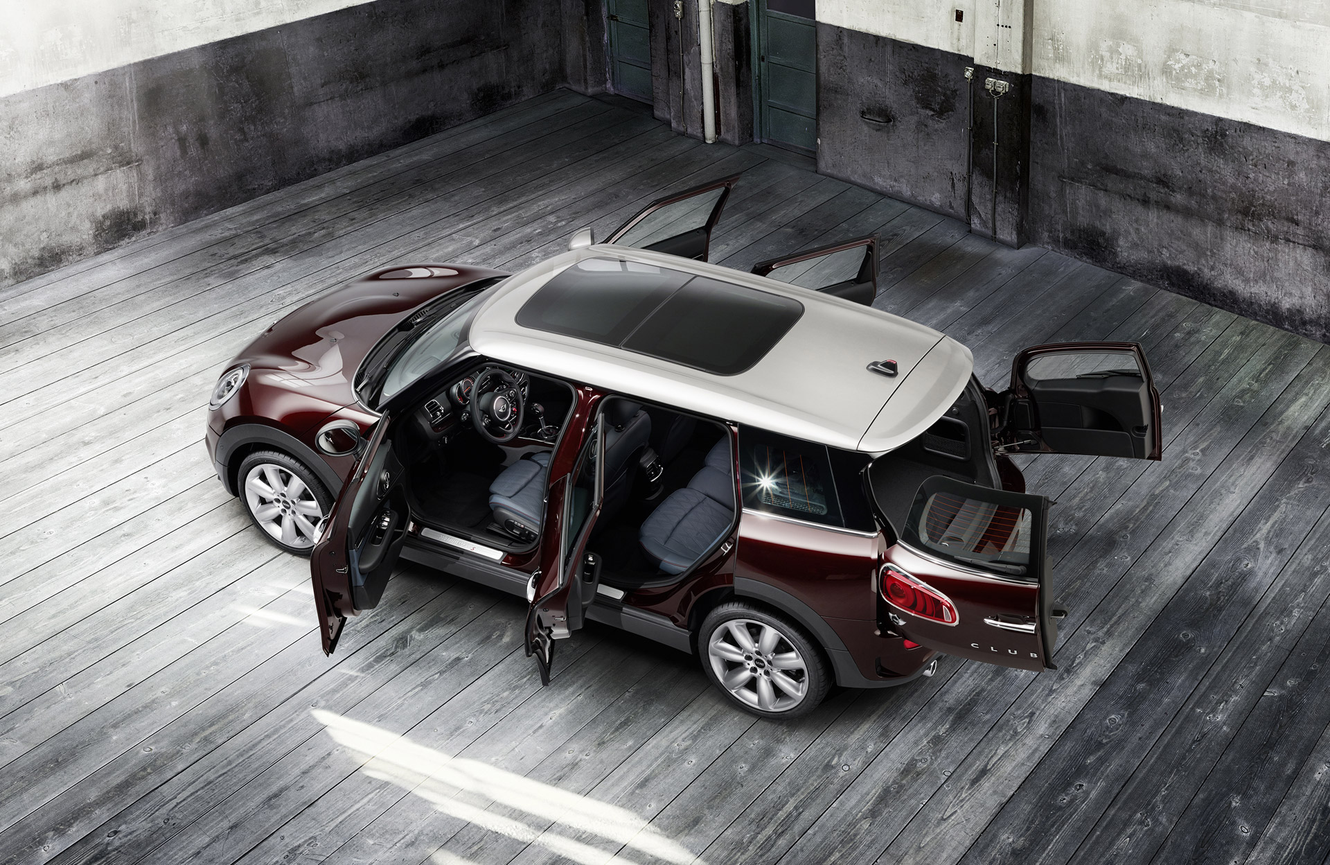 2016 mini clubman is bigger more premium. Black Bedroom Furniture Sets. Home Design Ideas