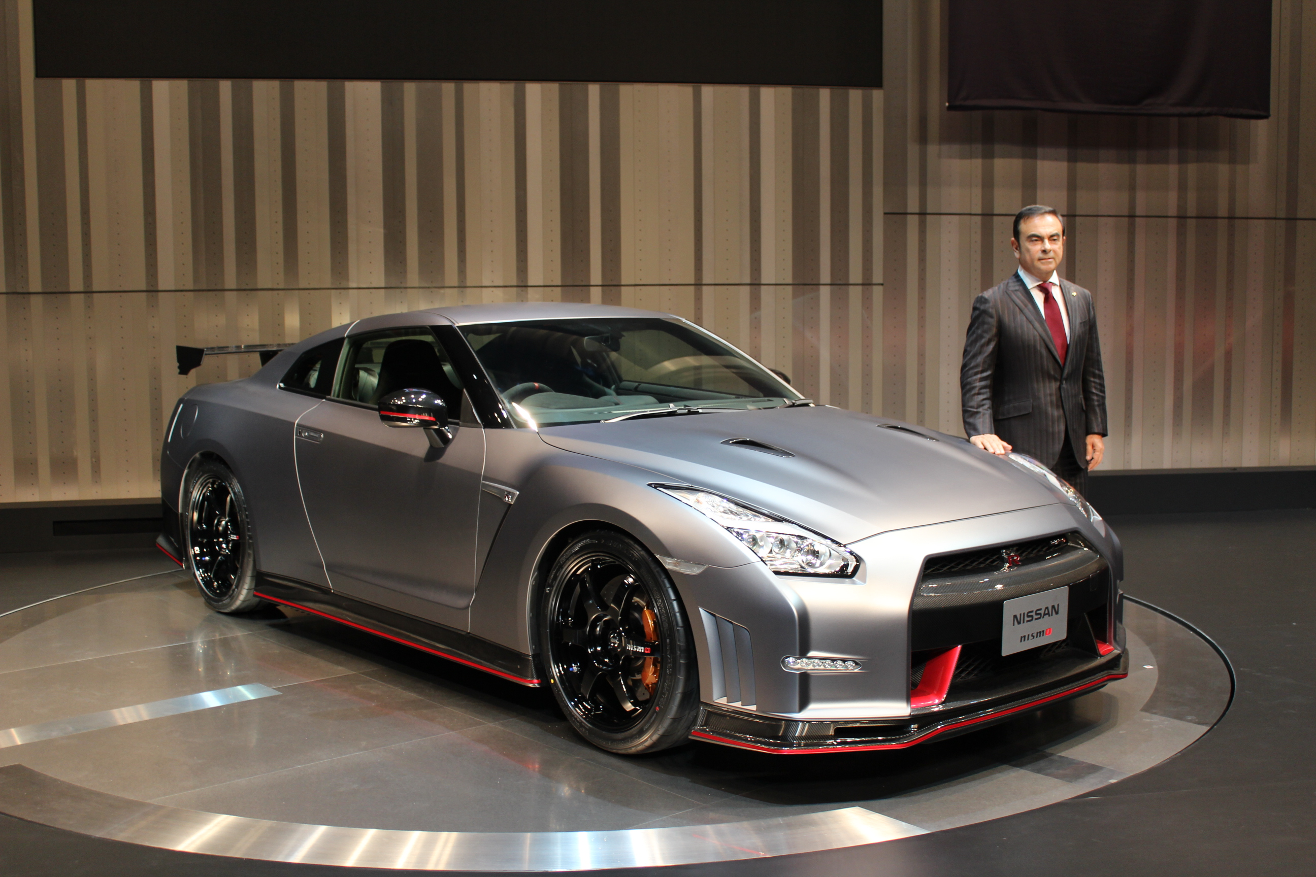 2015 nissan gt r nismo 2013 tokyo motor show live photos. Black Bedroom Furniture Sets. Home Design Ideas