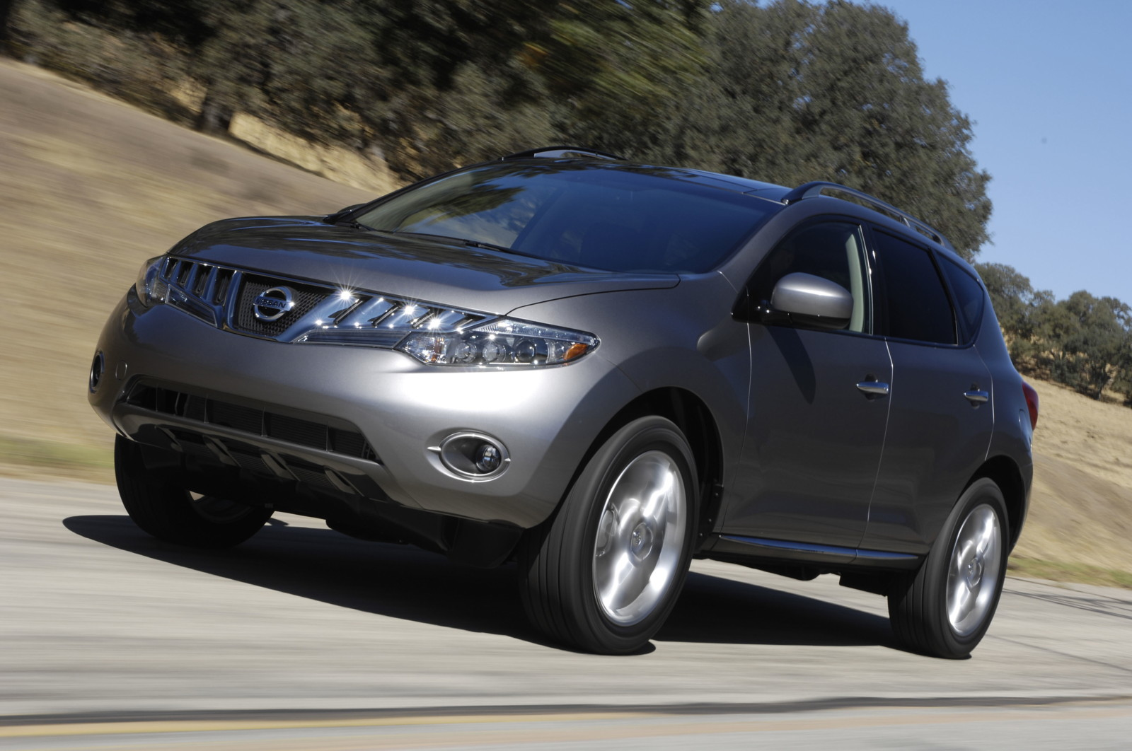 The 2010 nissan murano le is the perfect business class answer to the 2010 nissan murano le is the perfect business class answer to all your family needs vanachro Image collections