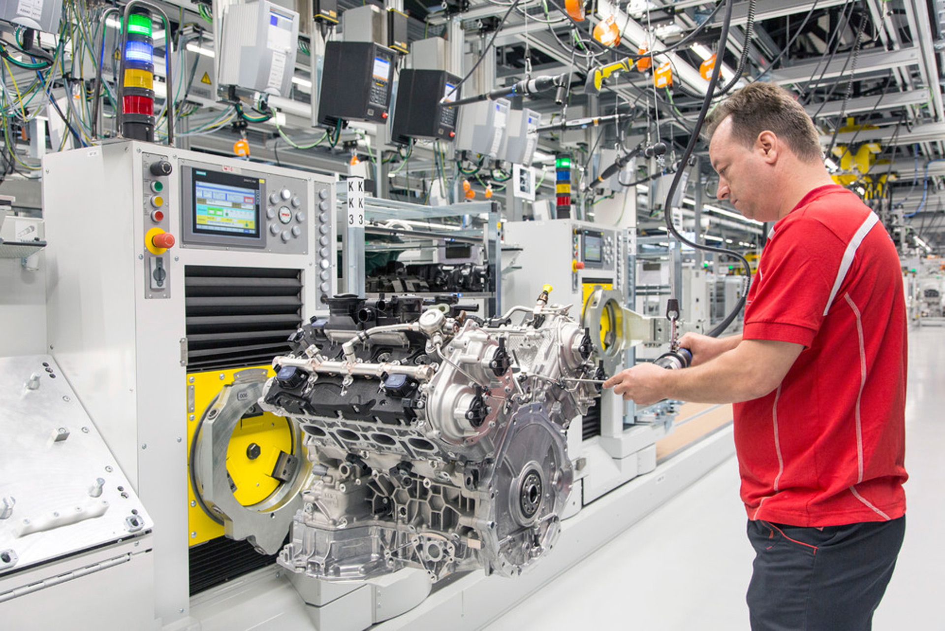 Porsche Opens New Plant For 8 Cylinder Engines