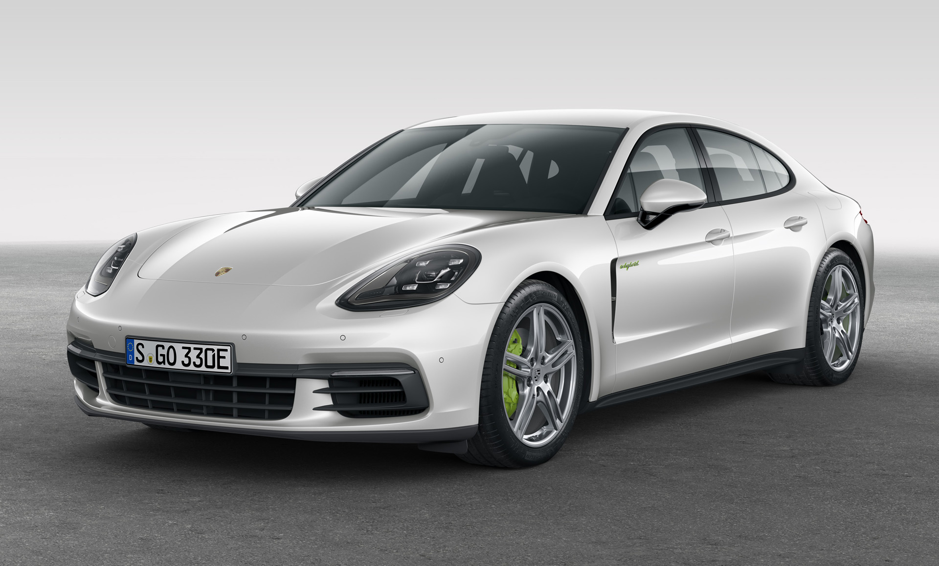 2018 Porsche Panamera 4 e-Hybrid to take on Tesla Model S... sorta