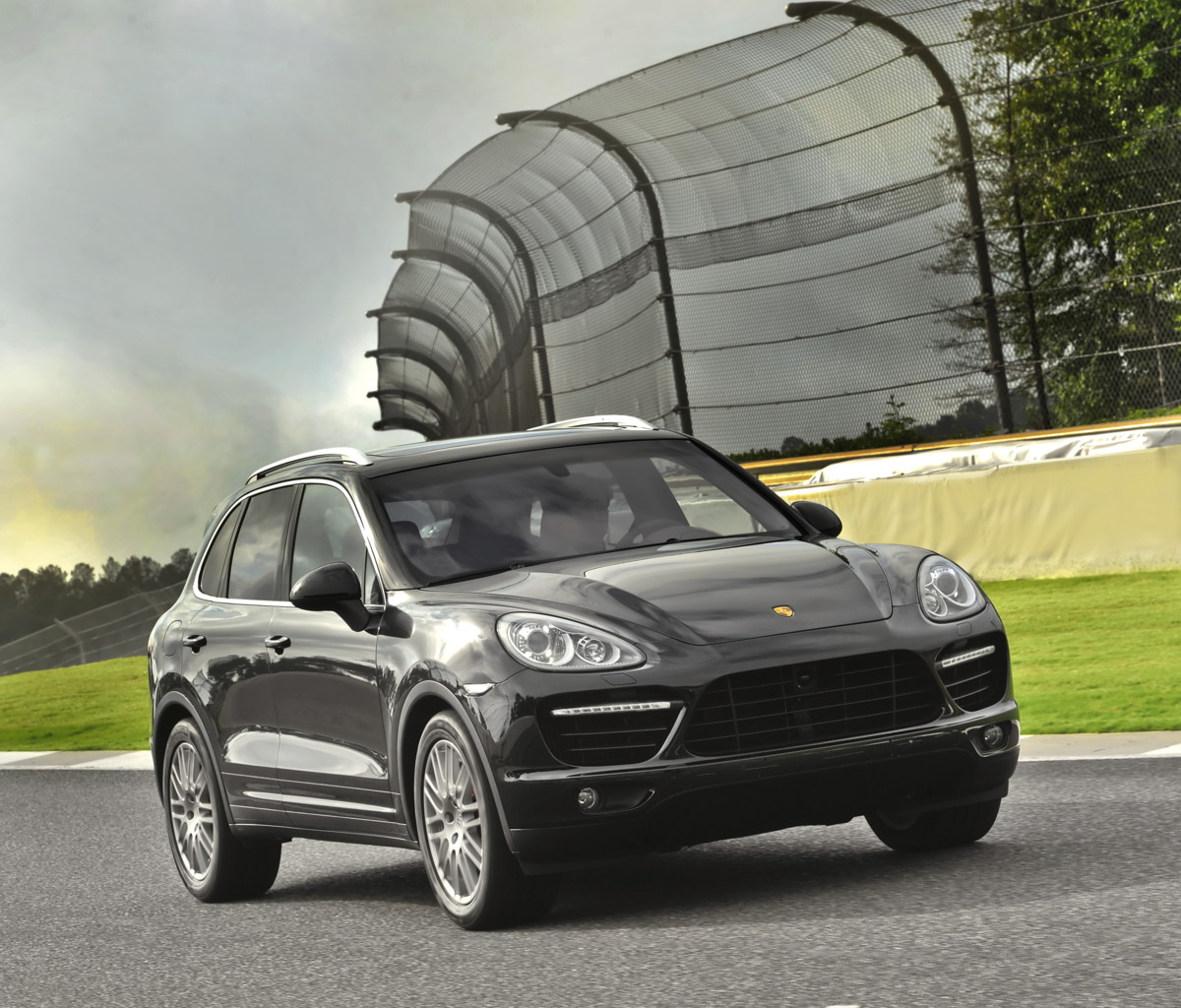 Porsche Cayenne, Panamera recalled for potential engine problem