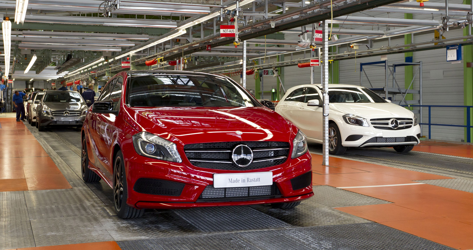 Mercedes considering mexican production report for Mercedes benz compact car