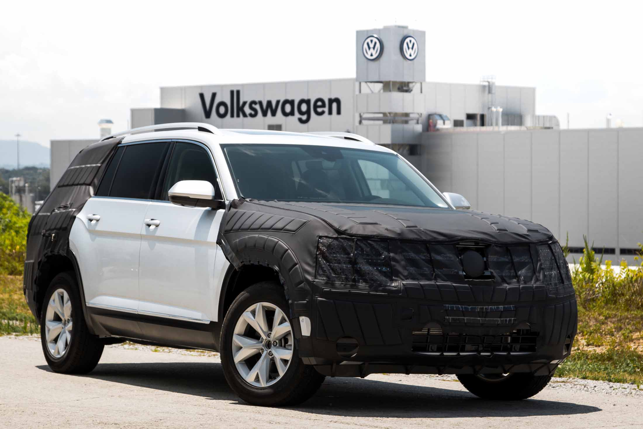 ride volkswagens   seat  row crossover