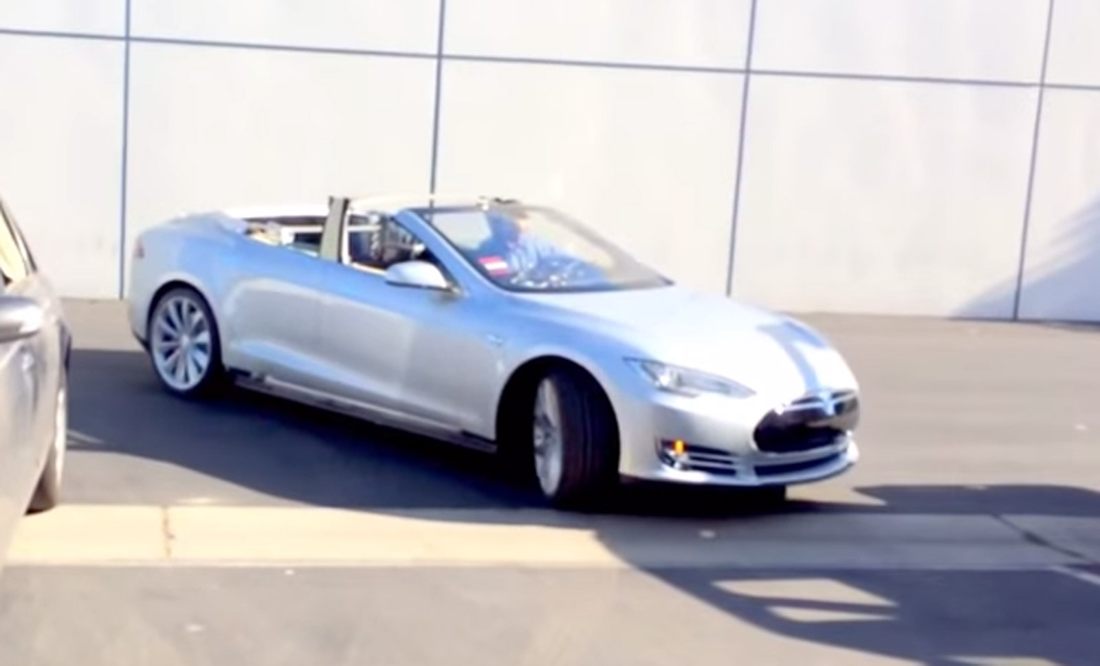 Update First Tesla Model S Convertible Video Went Up