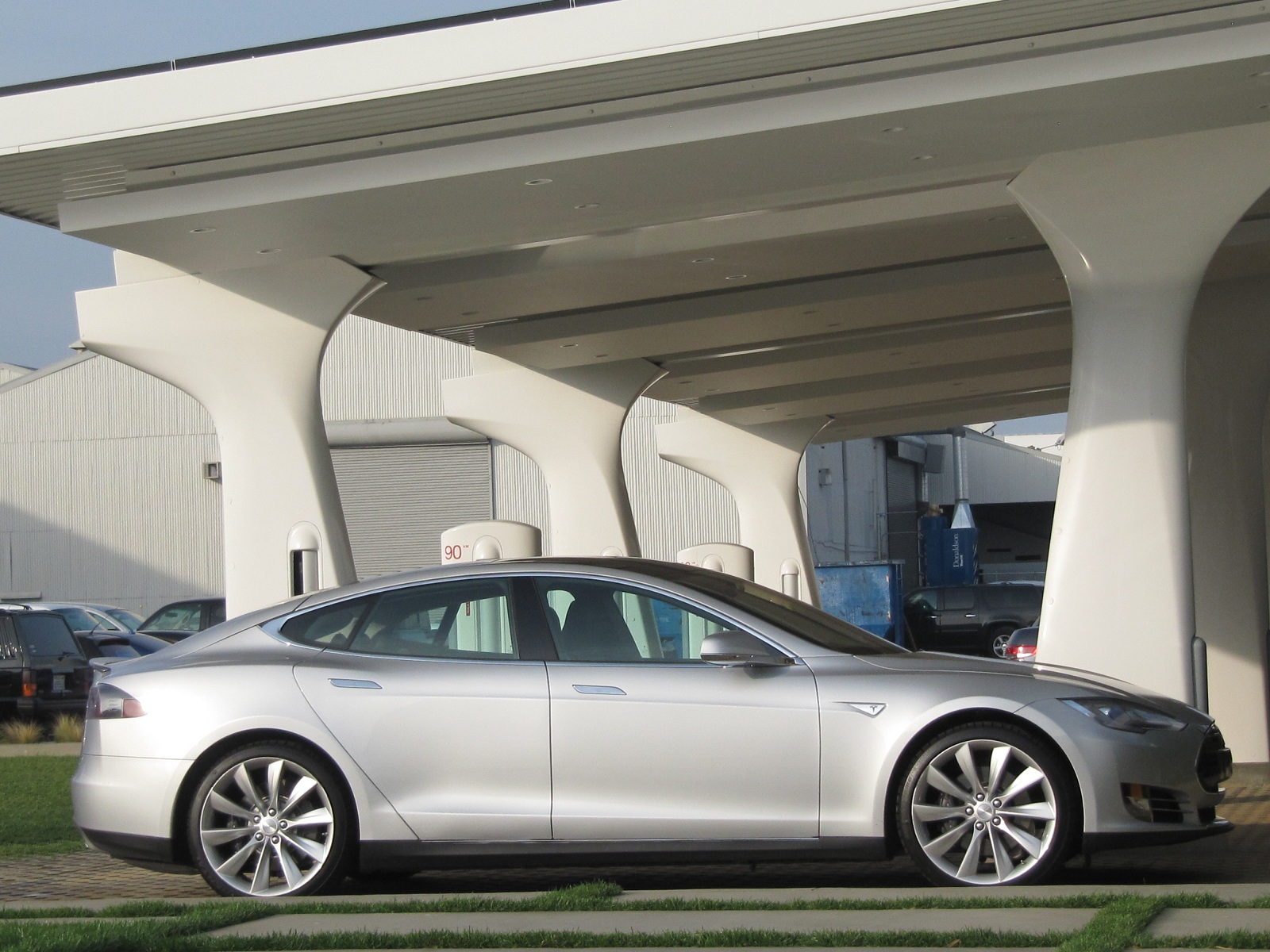 Tesla Model S Safety, Nissans On Amazon, Cadillac ELR In CA, Plug-In