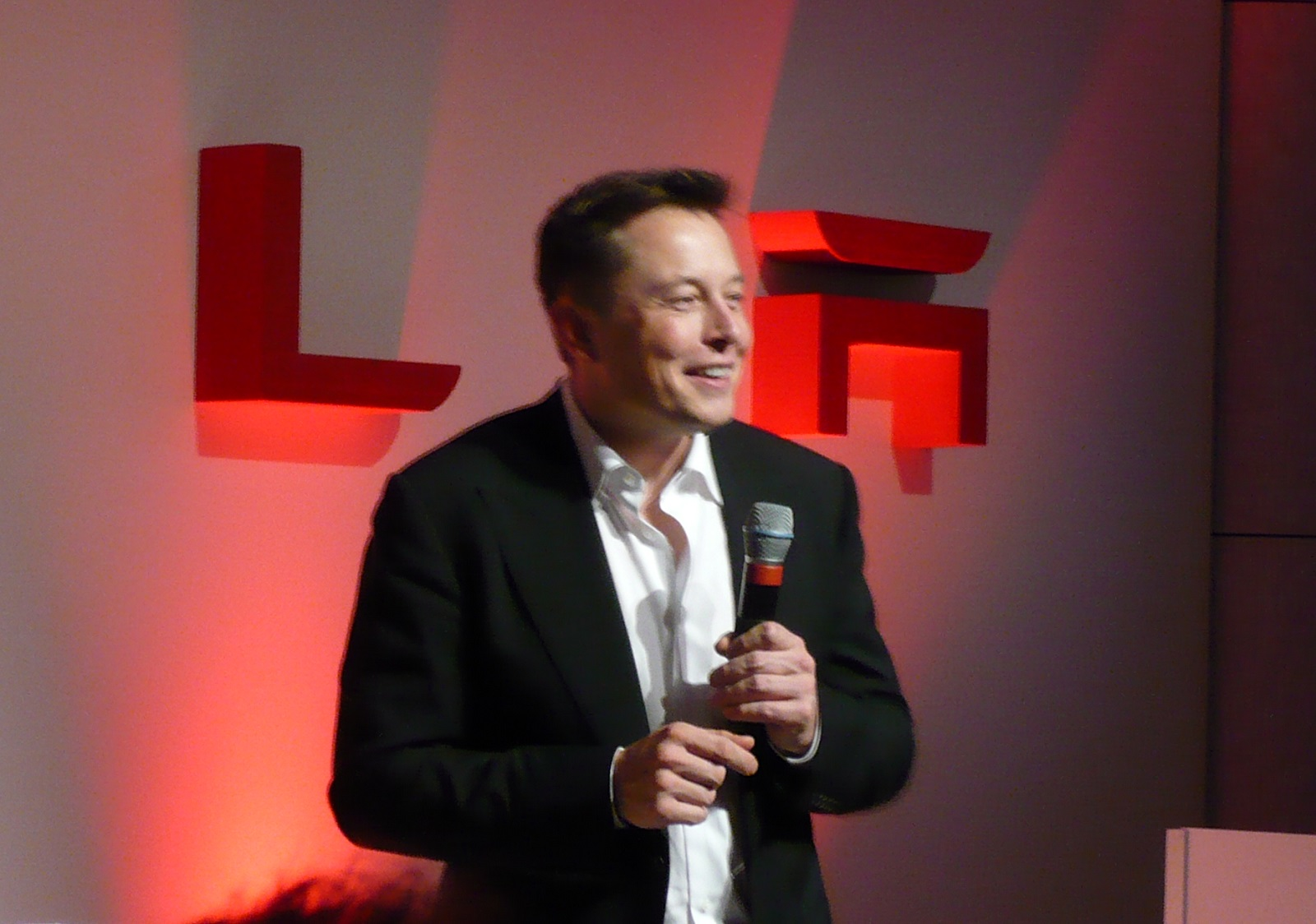Otto Who Tesla Is Ready To Test Electric Self Driving Big Rigs In Nevada And California