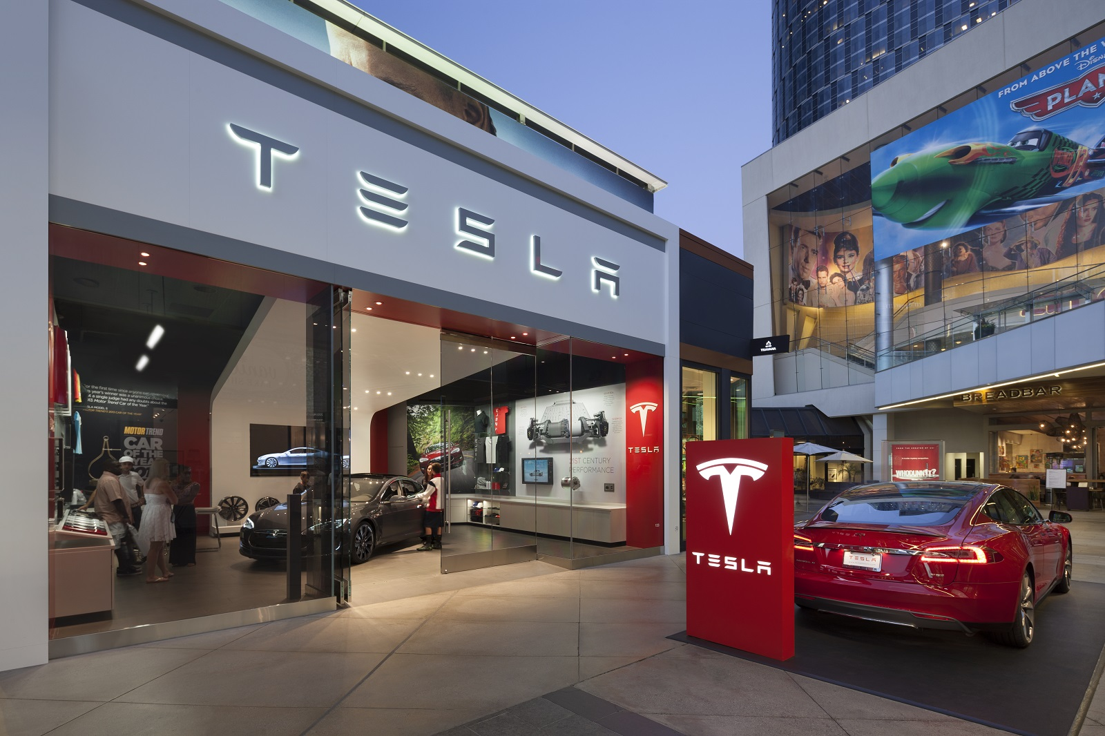 Va May Deny Tesla A Store License Dealers Say They Want