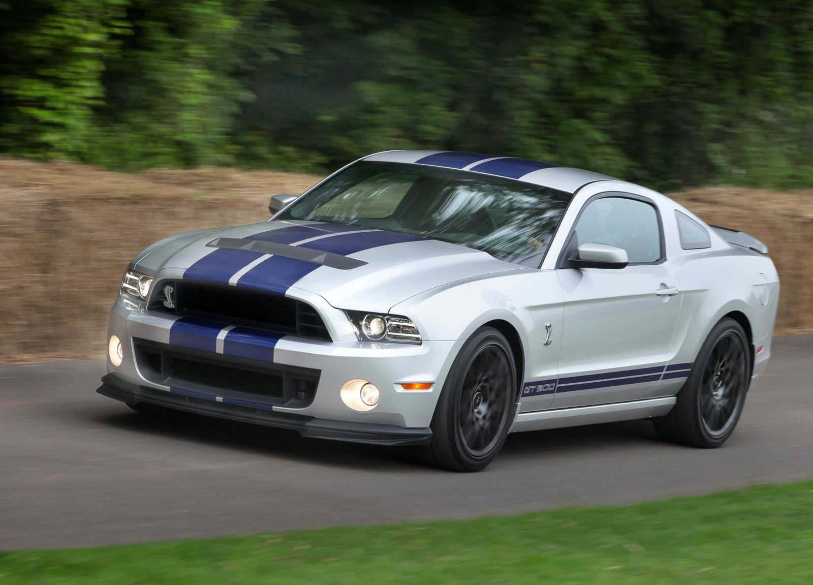 New Grand Cherokee 2019 >> 2014 Ford Shelby GT500 Gets Modest Bump In Price
