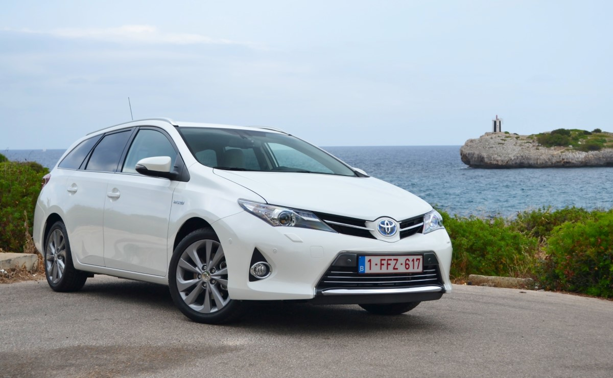 Toyota Auris Hybrid Wagon: Are You Missing Out On Europe's ...