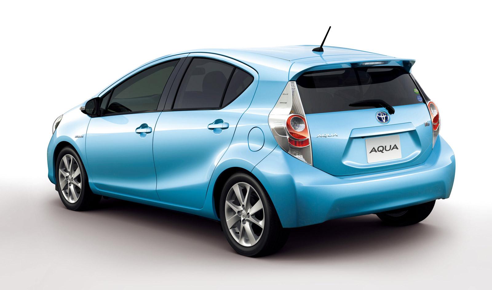 2012 Toyota Prius C Unveiled: Compact 52-MPG-Plus Hybrid Hatchback