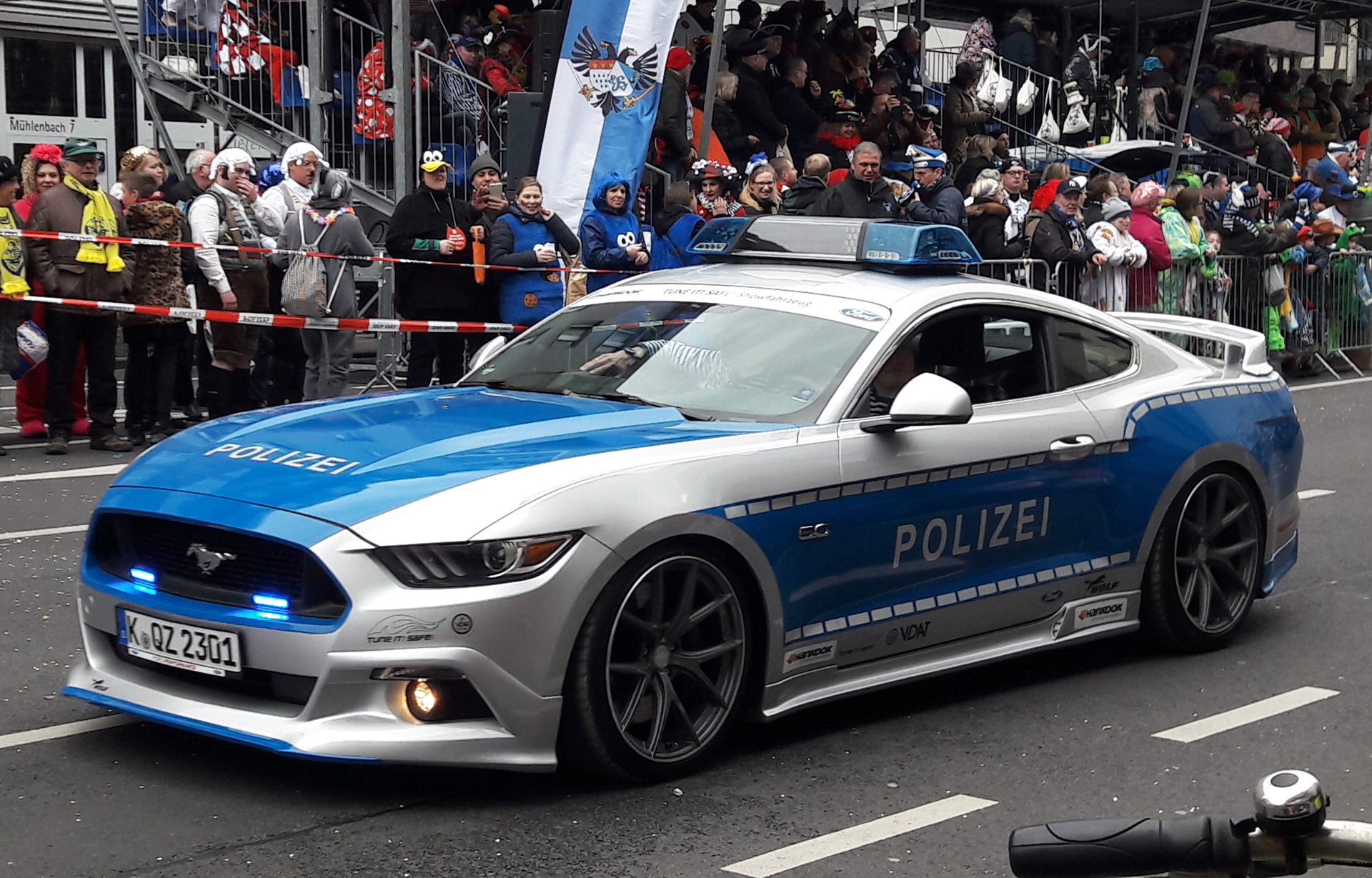 Tune It Safe Ford Mustang Gt Police Car H
