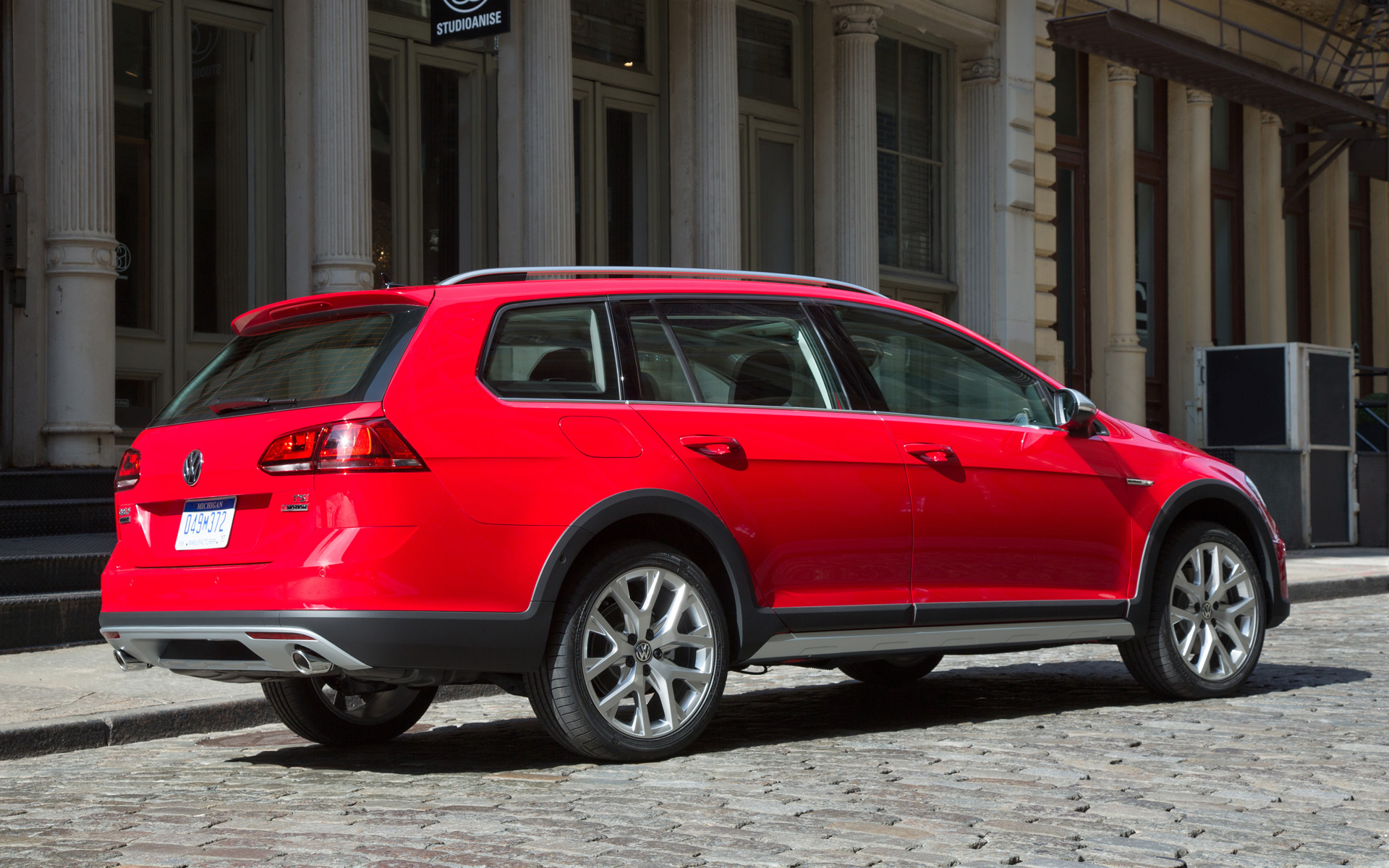 Vw Quote 2017 Vw Golf Alltrack To Debut In New York Start Sales This Fall