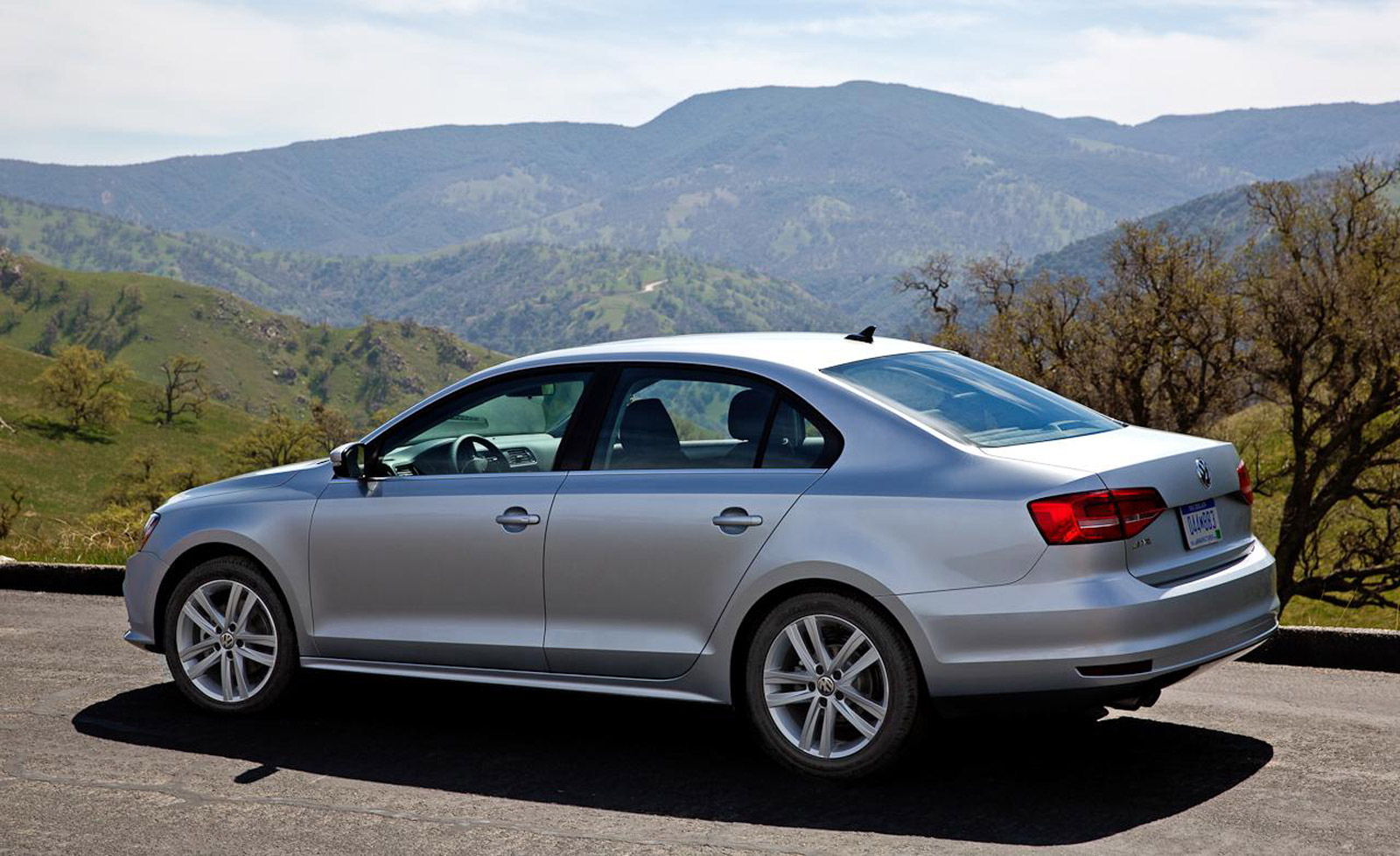 BMW Of Fresno >> 2015 Volkswagen Jetta Recalled To Fix Headlight Software Glitch