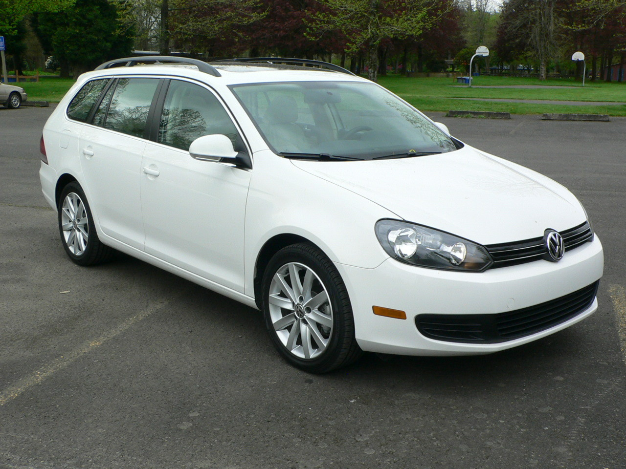 2011 volkswagen jetta sportwagen won 39 t join new jetta sedan platform. Black Bedroom Furniture Sets. Home Design Ideas