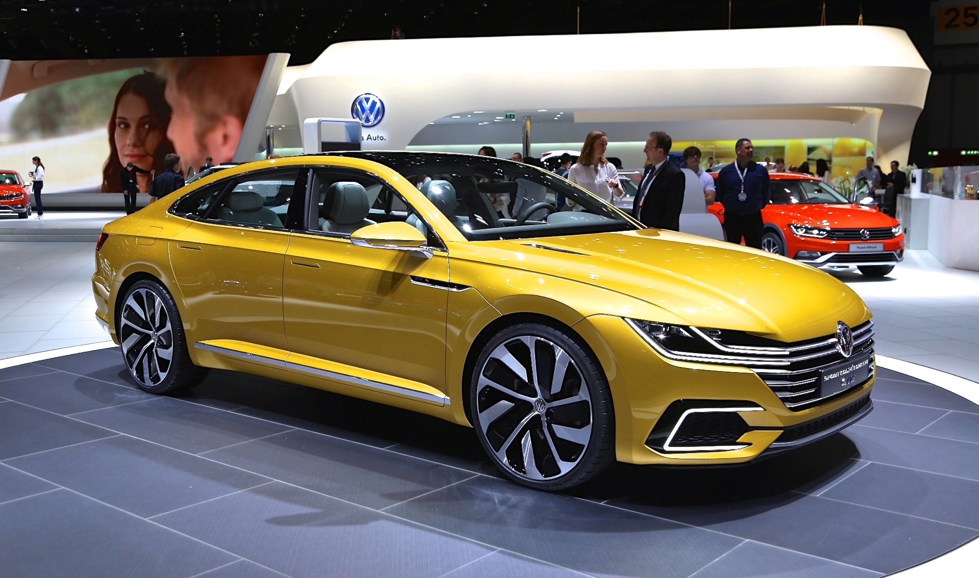 vw previews new design language next cc with sport coupe gte concept. Black Bedroom Furniture Sets. Home Design Ideas