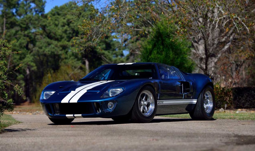 replica ford gt40 from �fast five� heads to auction