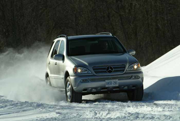 Image gallery mercedes ml 320 2004 for Mercedes benz suv 2004