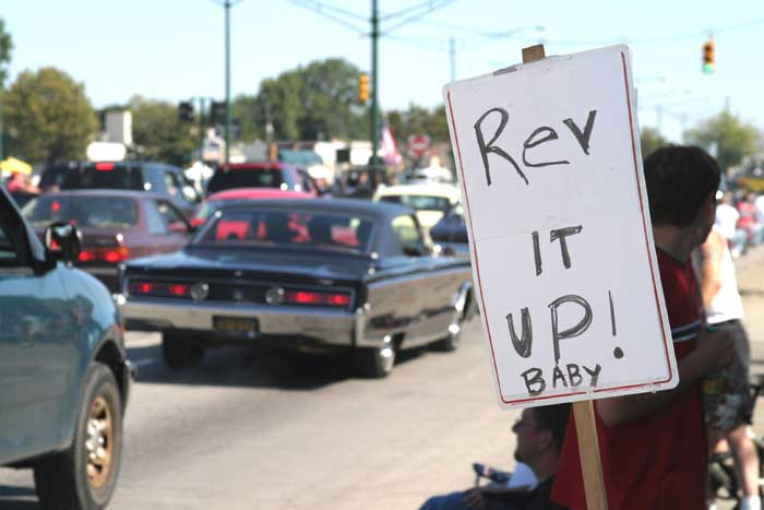 2004 Woodward Dream Cruise - Rev sign