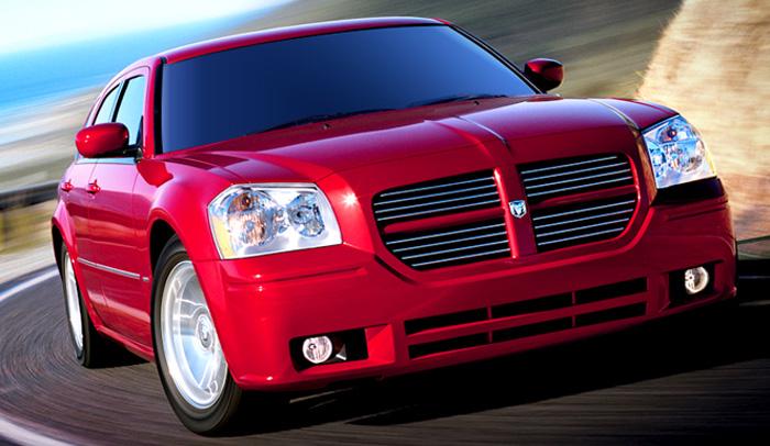 2006 Dodge Magnum - front