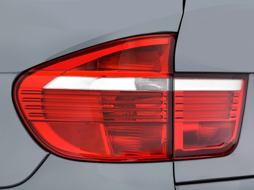 Image 2008 Bmw X5 Series Awd 4 Door 3 0si Tail Light