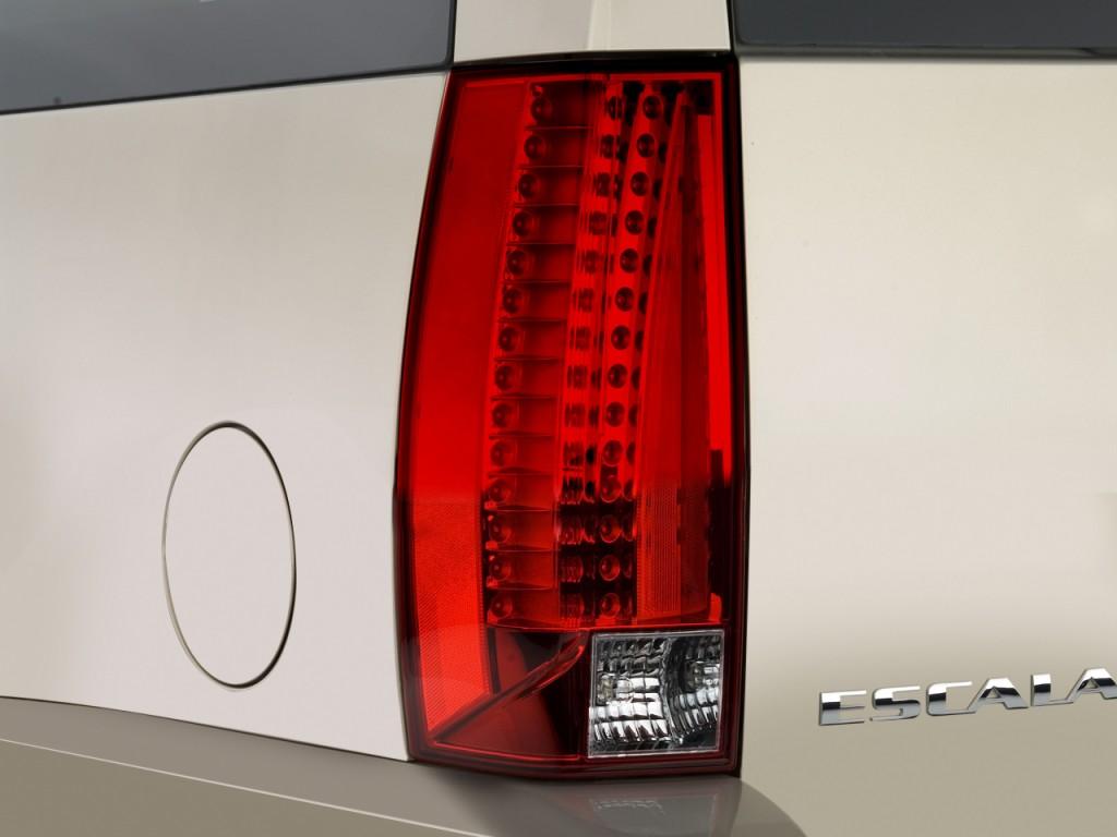 Image 2008 Cadillac Escalade Esv 2wd 4 Door Tail Light