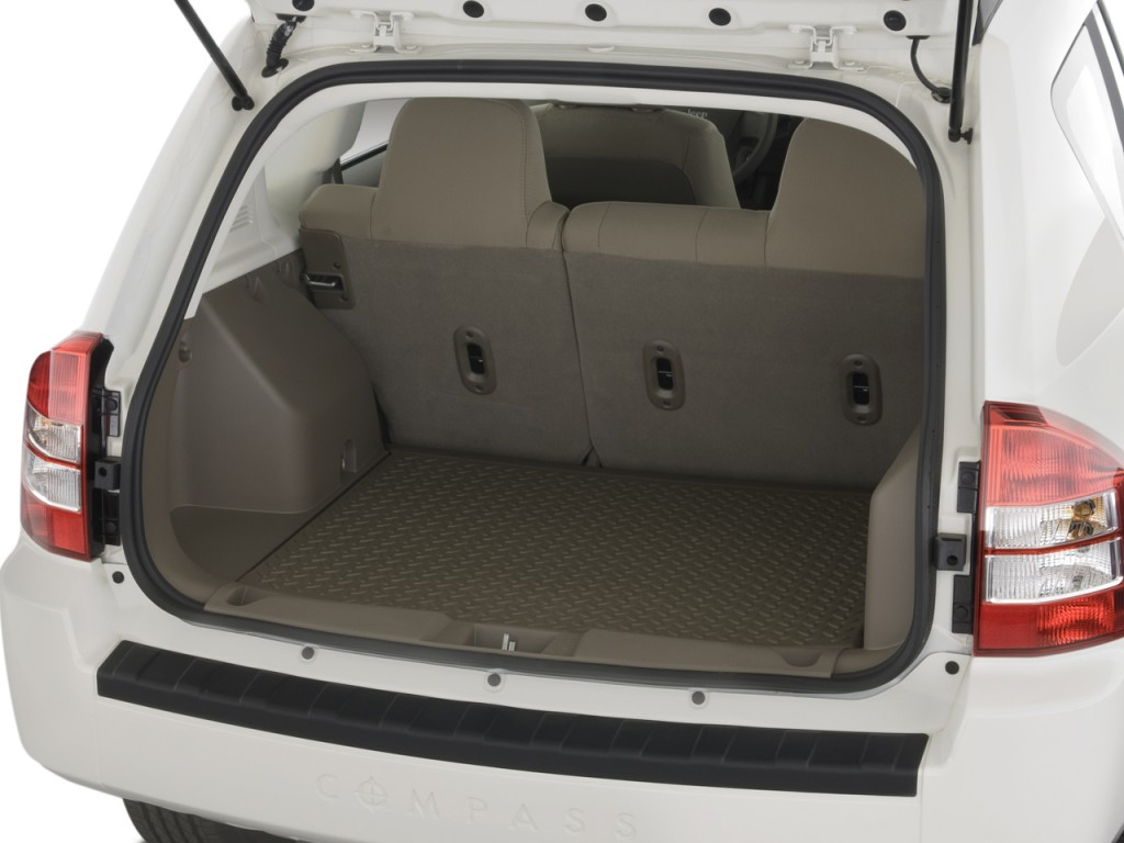 image 2008 jeep compass fwd 4 door sport trunk size. Black Bedroom Furniture Sets. Home Design Ideas