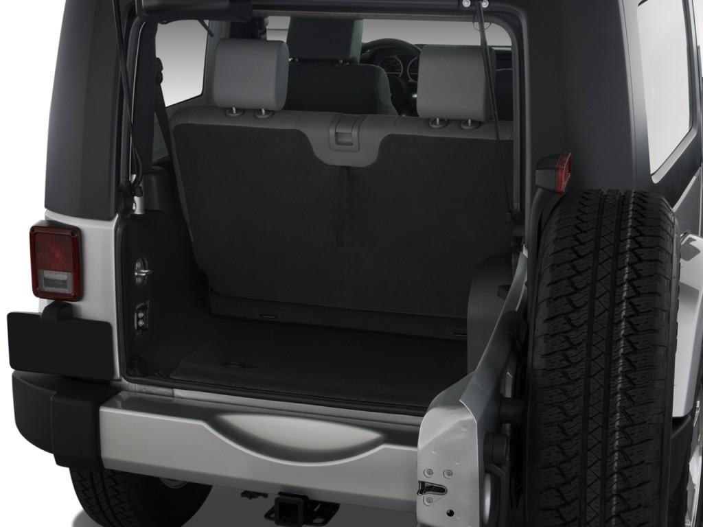 Image 2008 Jeep Wrangler 4wd 2 Door Sahara Trunk Size