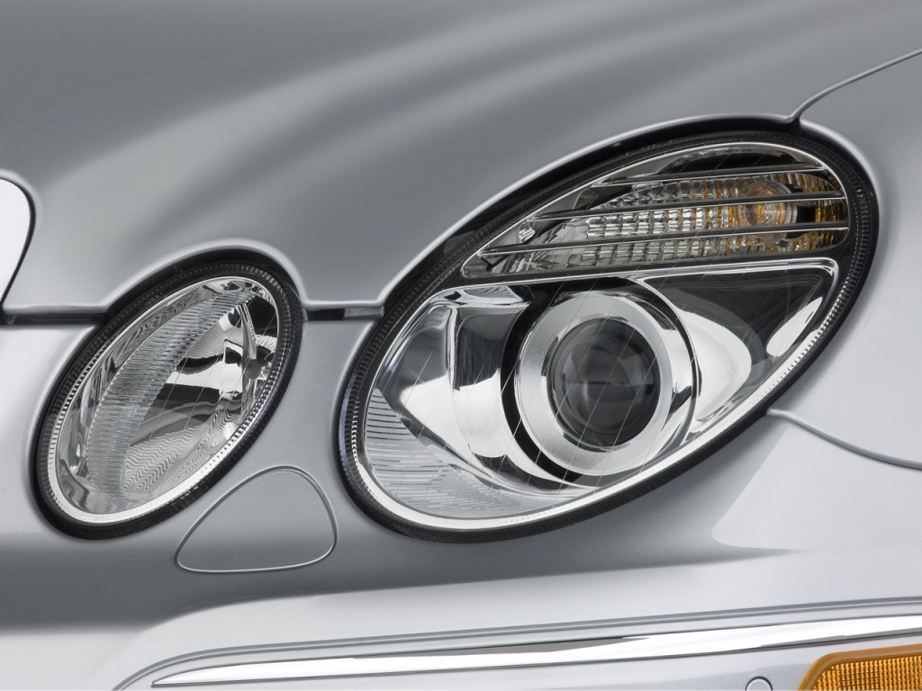 Image 2008 mercedes benz e class 4 door wagon 6 3l amg for Mercedes benz headlight